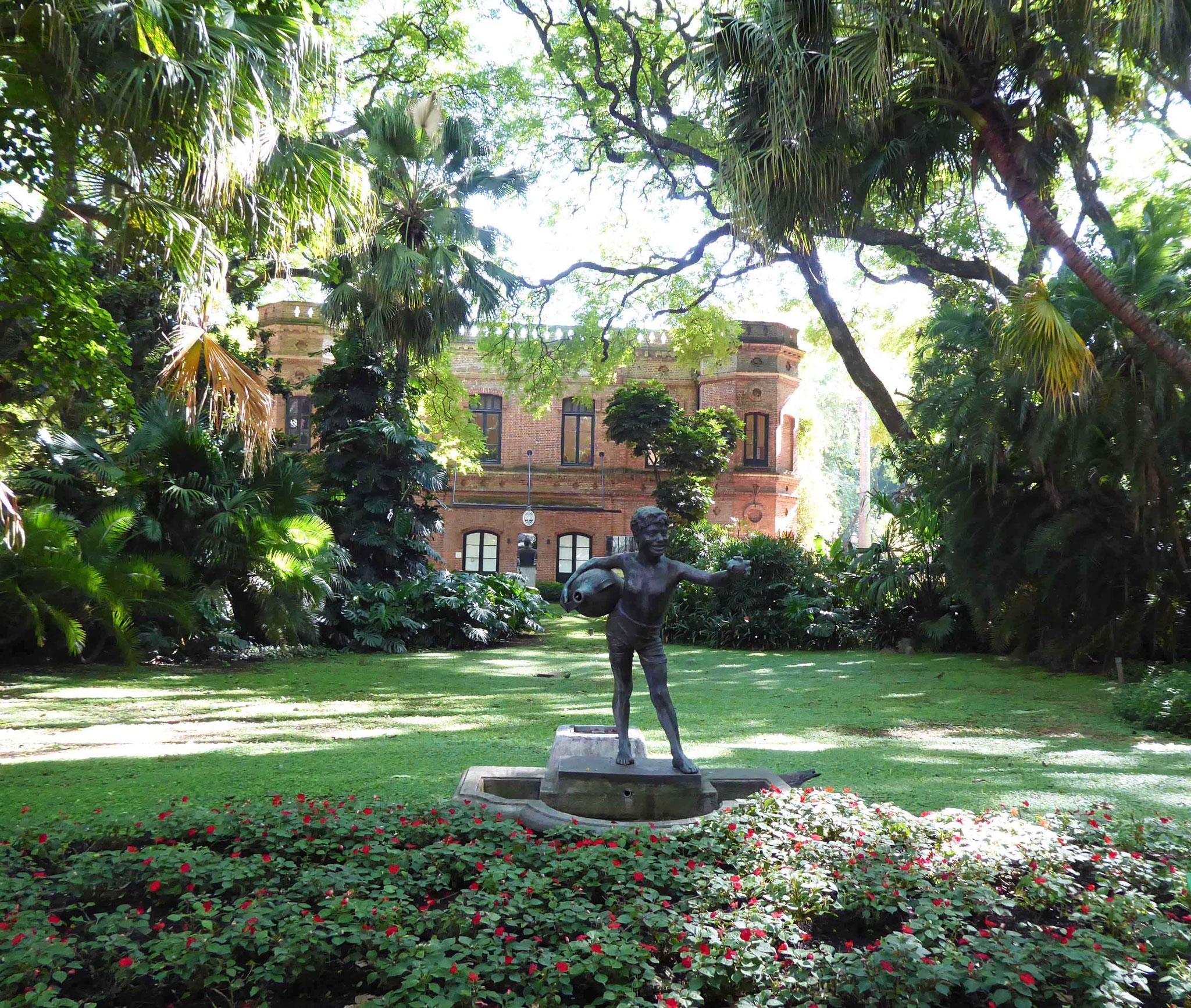 Jardin botanique Carlos Thays (5500 espèces de plantes sur 7 ha)