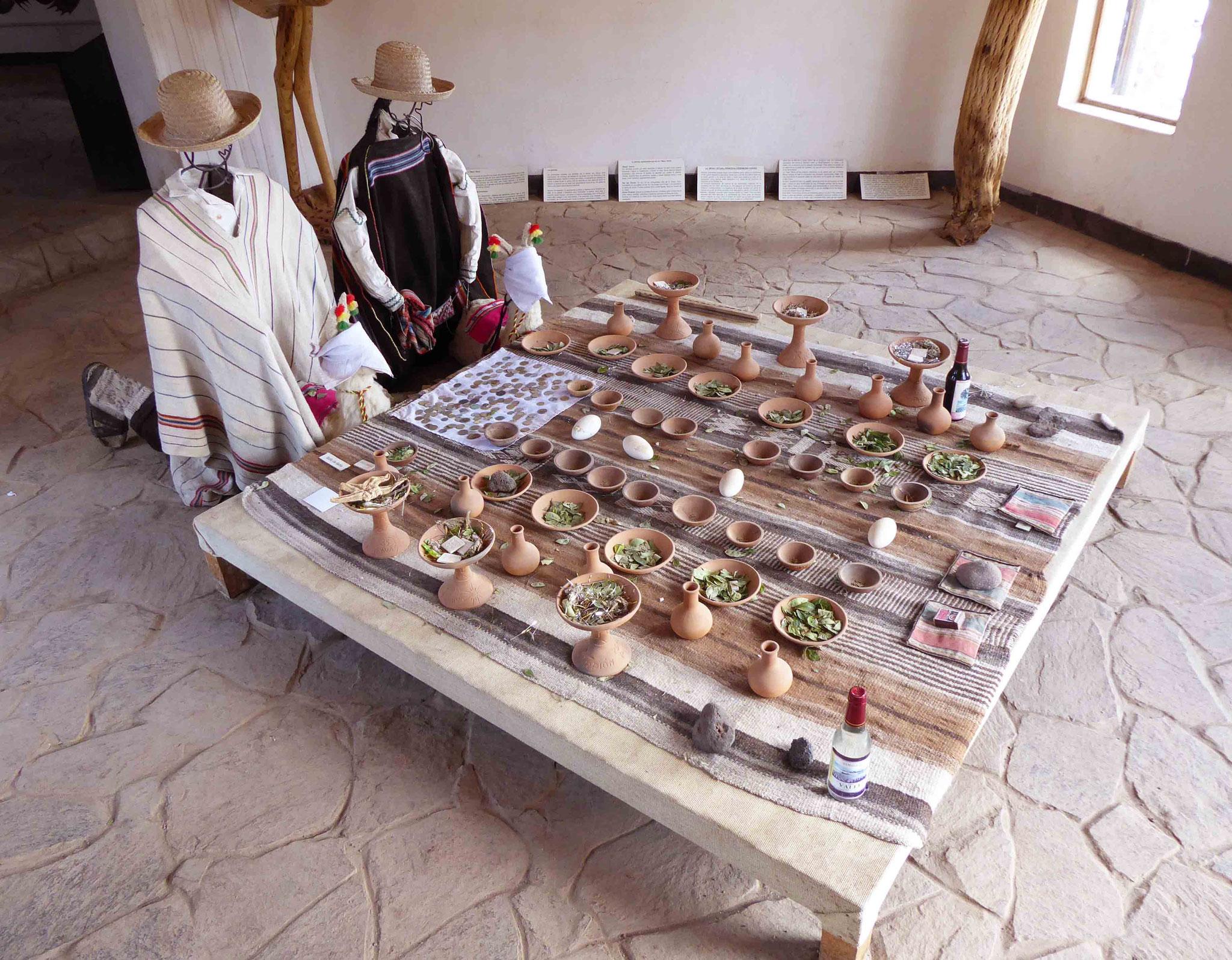 Toujours sur l'ile, les traditionnelles offrandes à la Pachamama déesse de la Terre (fertilité, générosité, abondance et rendement des cultures...)