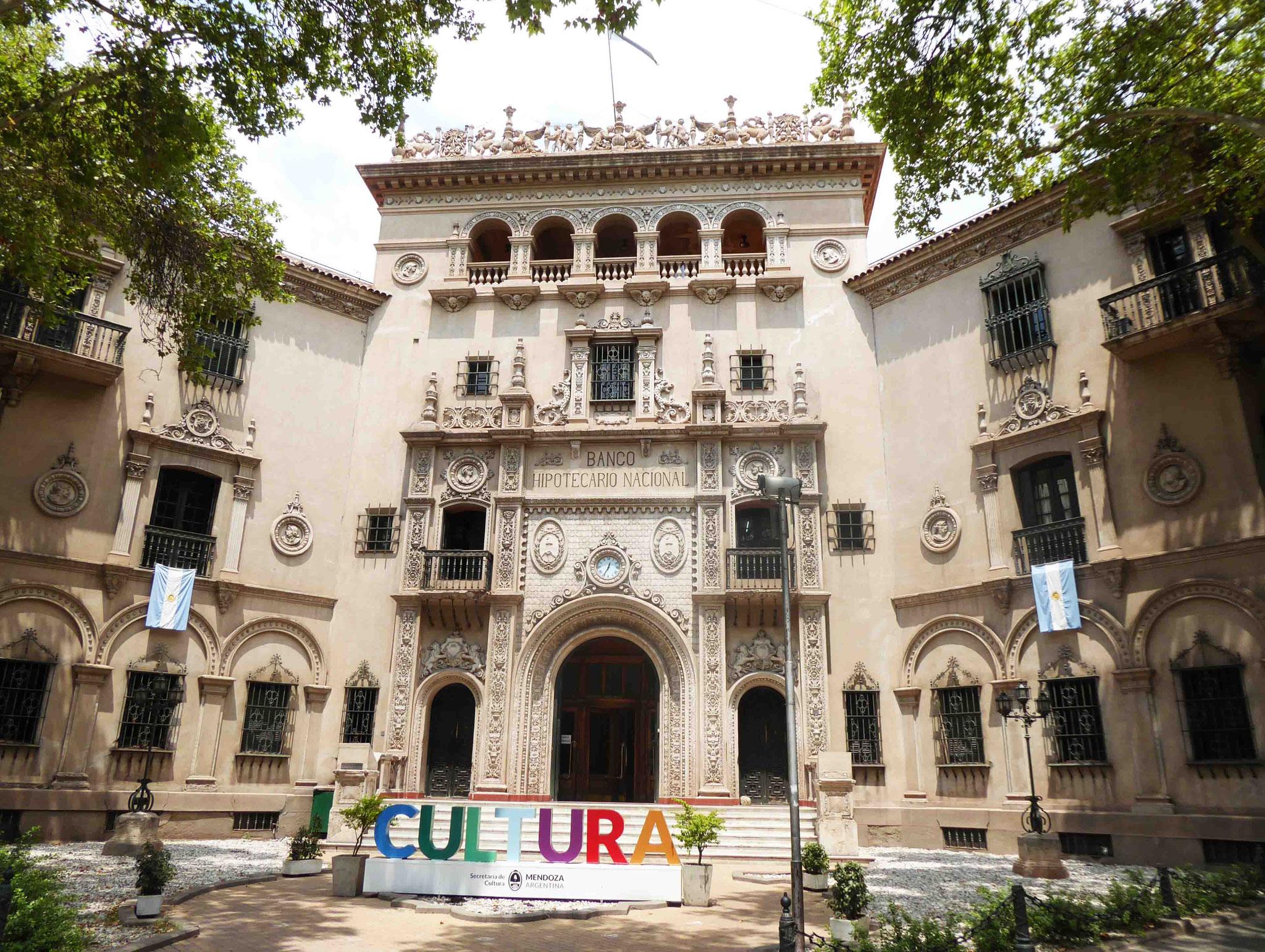 Superbe bâtiment offert à la culture