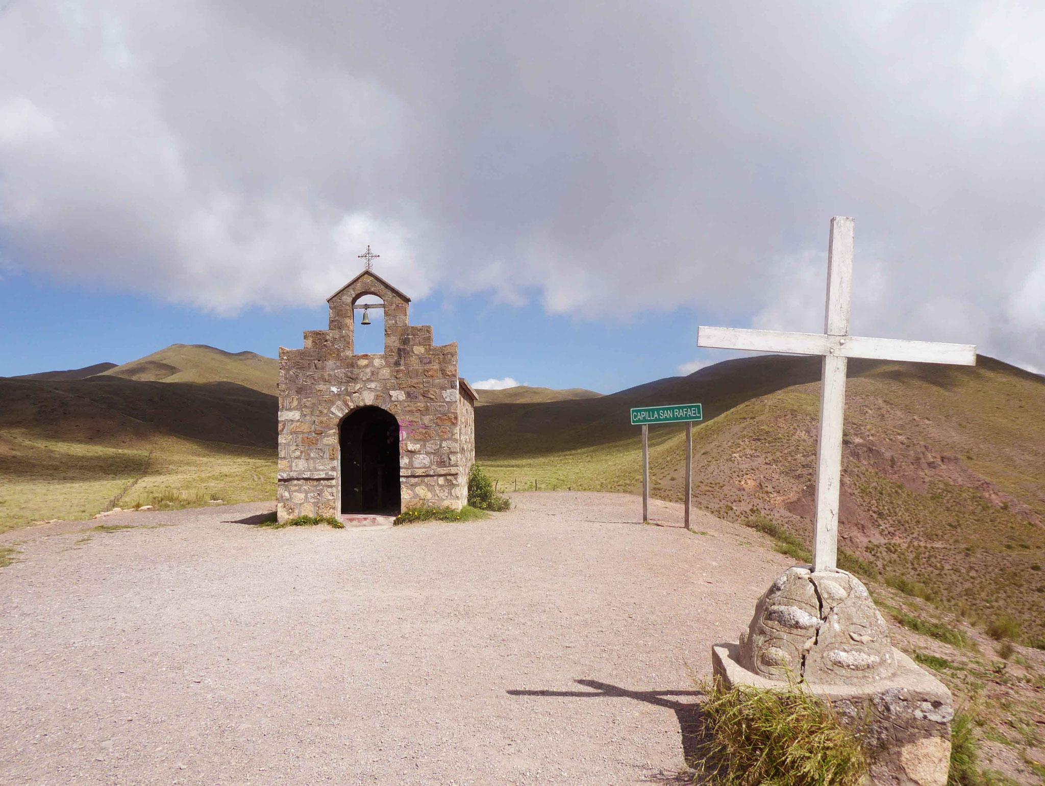 Chapelle San Rafael en haut de la Cuesta del Obispo (3457 m)