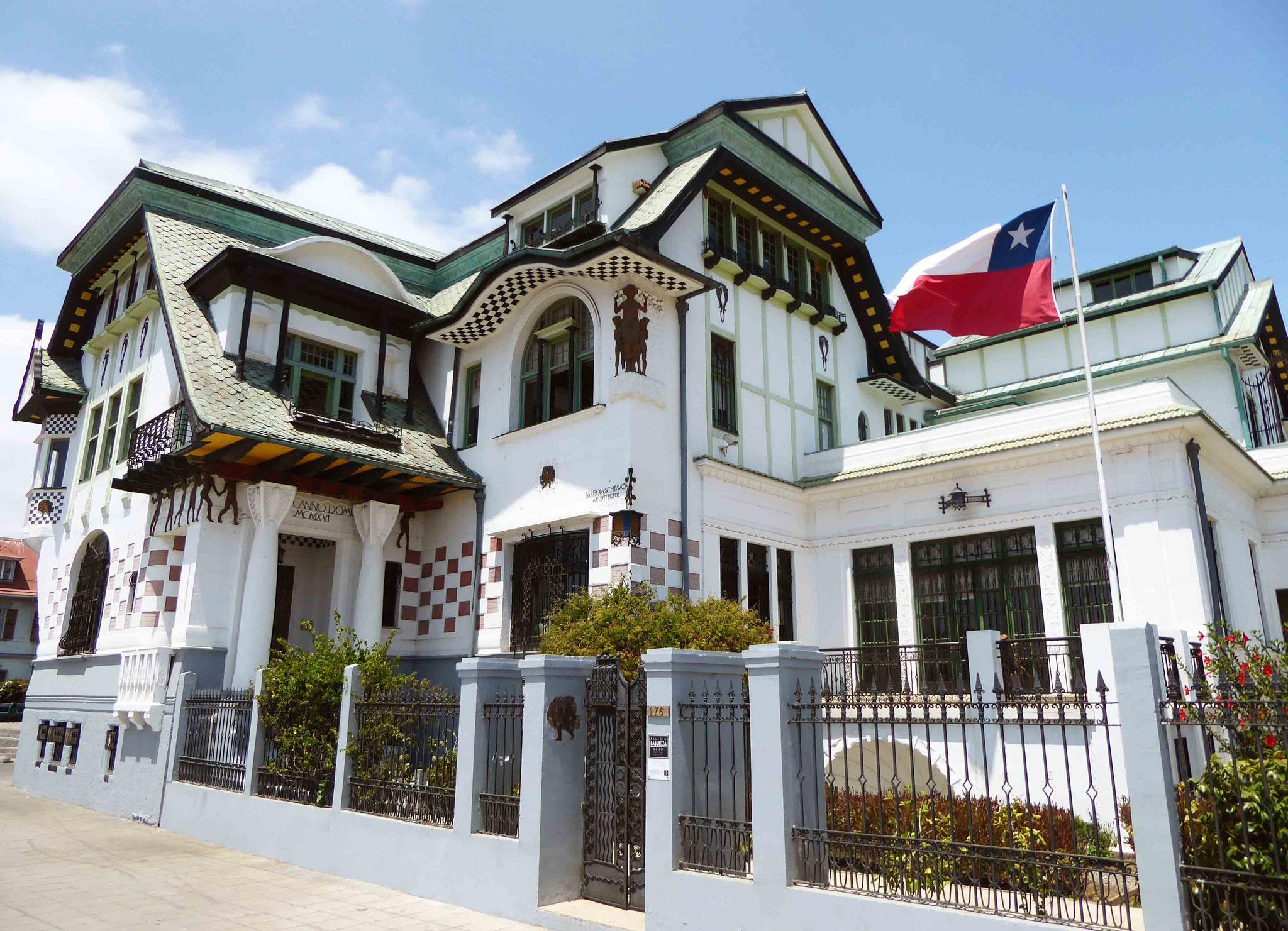 Le splendide Palacio Baburizza qui date de 1916 sur le Cerro Alegre