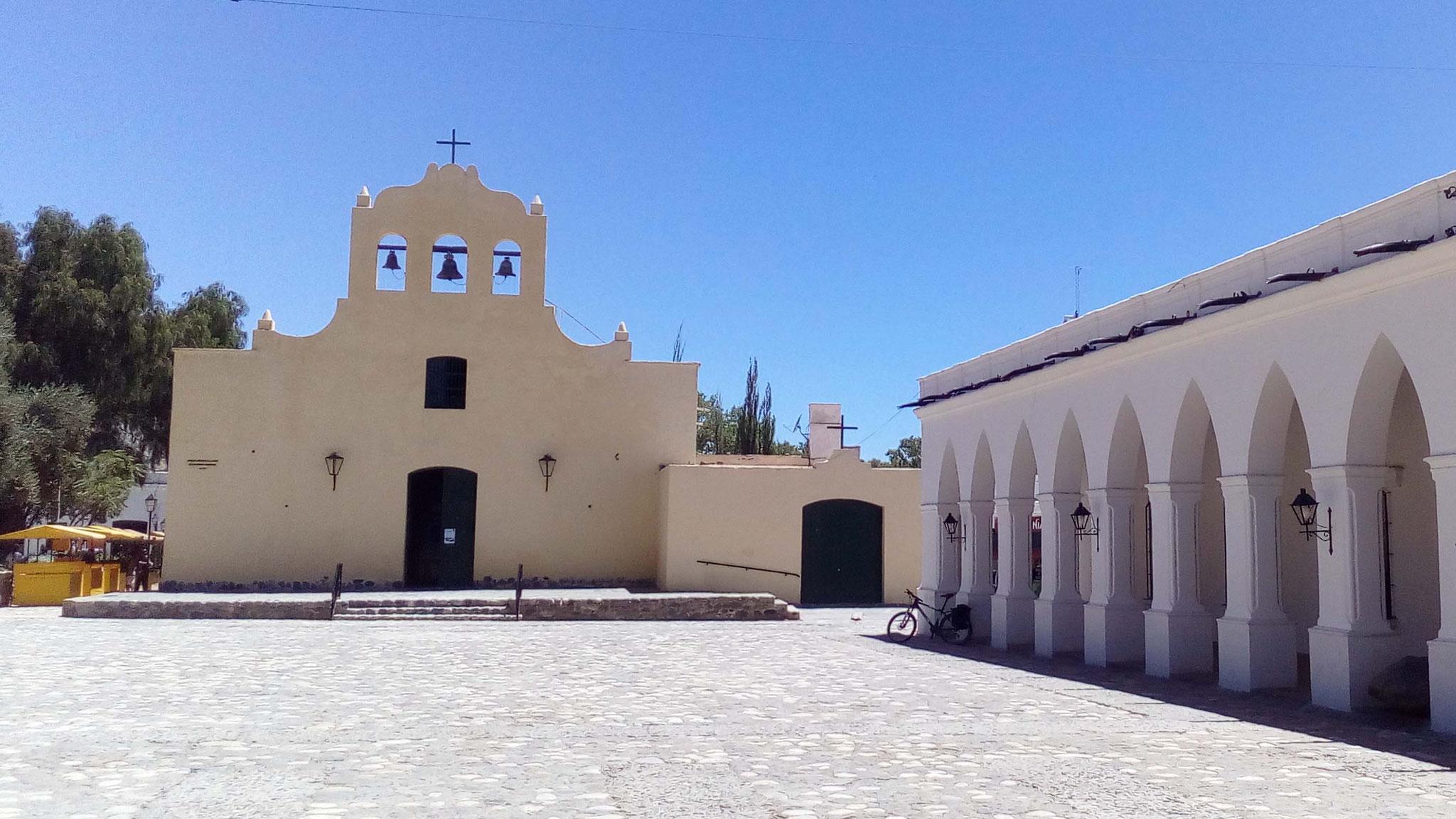 Eglise San José du XVIIe siècle, reconstruite au XIXe et musée archéologique de Cachi