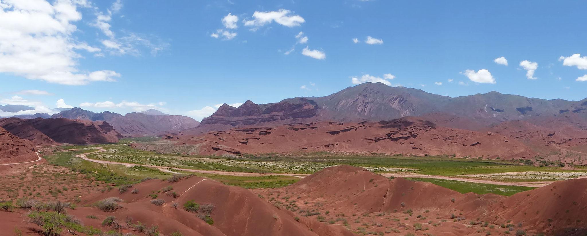 Quebrada de las Conchas, très beau panorama depuis le mirador de los Tres Cruces