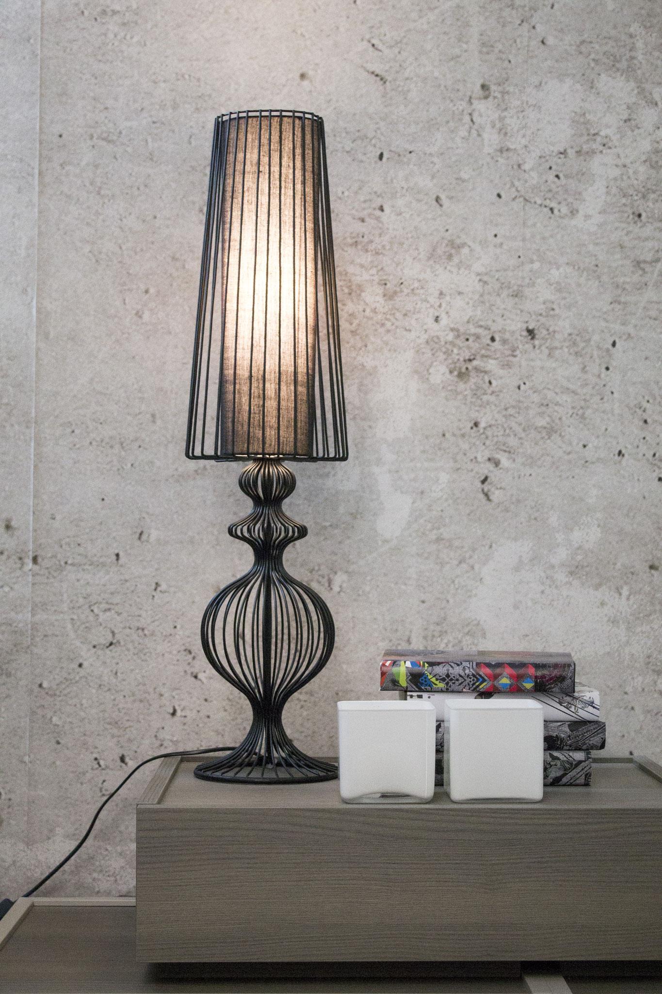 € 165,00 LAMPADA FILE STYLE ADRIANI E ROSSI ALTEZZA 76 cm, PROFONDITA' 20 cm