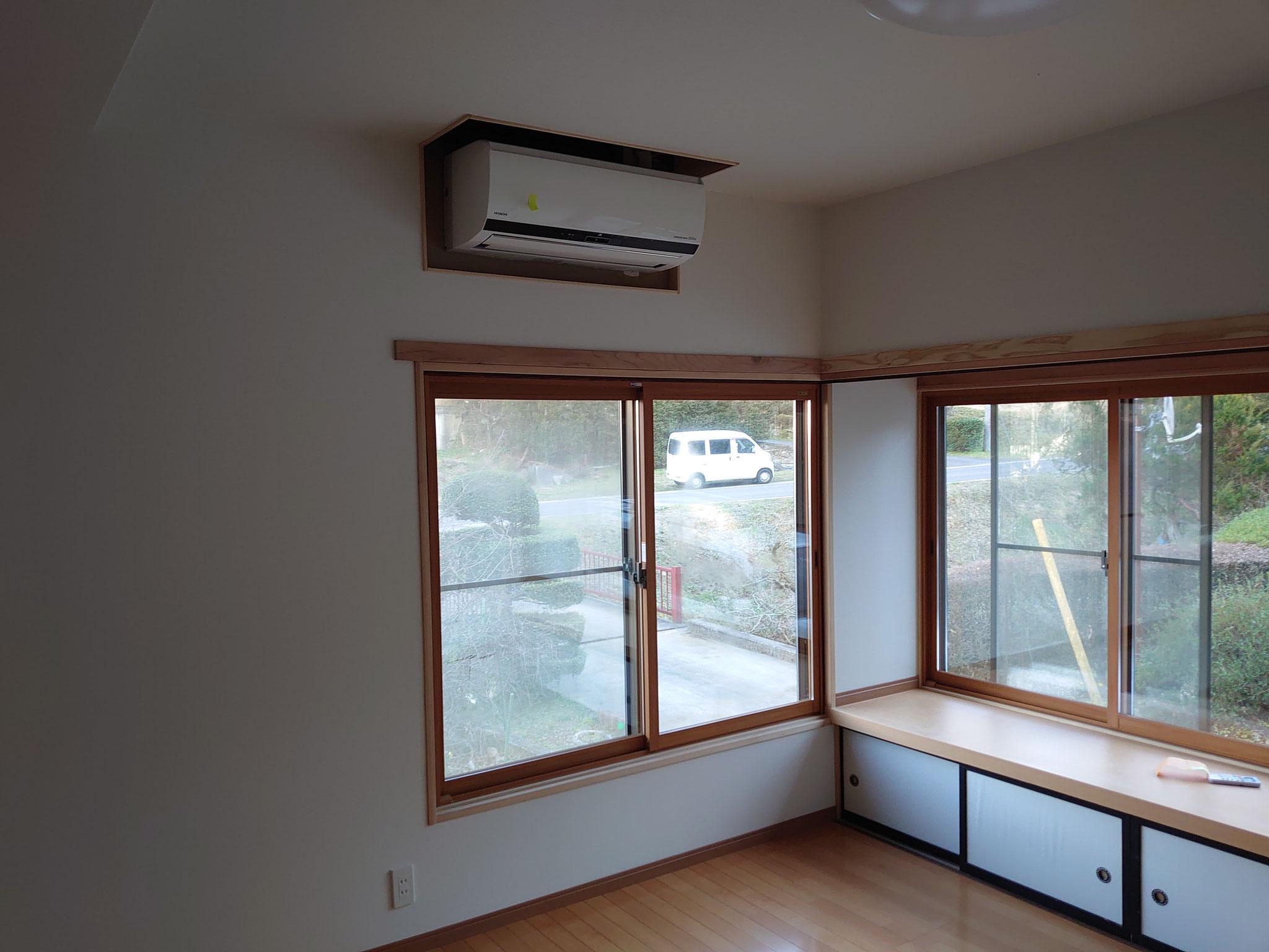 元々あった窓や収納も活かしています。
