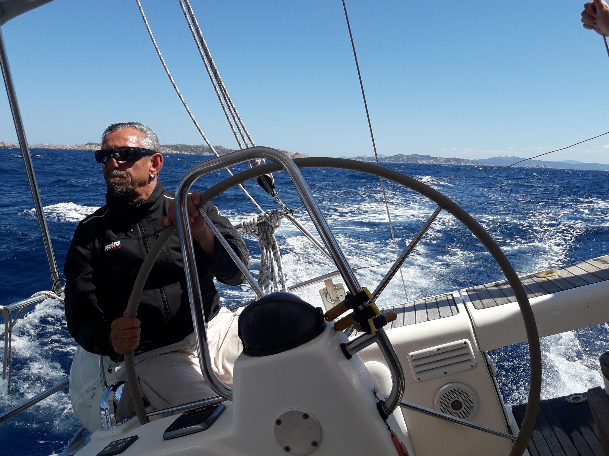 Segeln mit Skipper Jochen auf privater Yacht zwischen Sardinien und Korsika