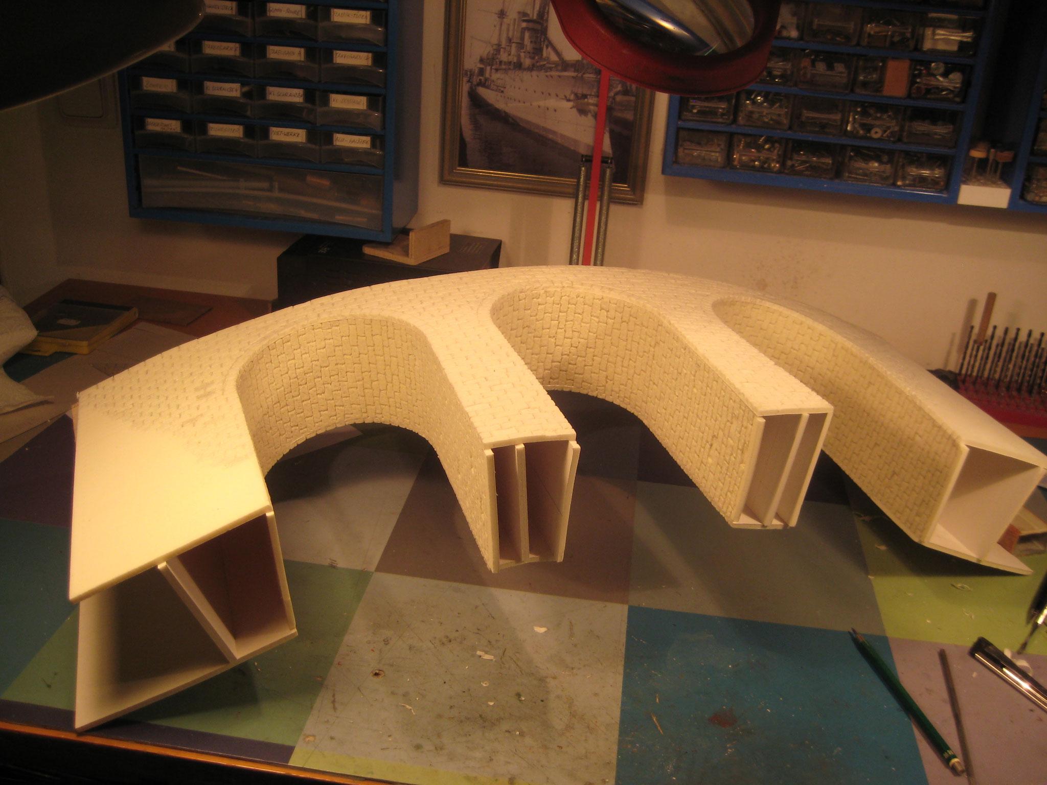 Hier sind die Details der Brücke gut zu erkennen.