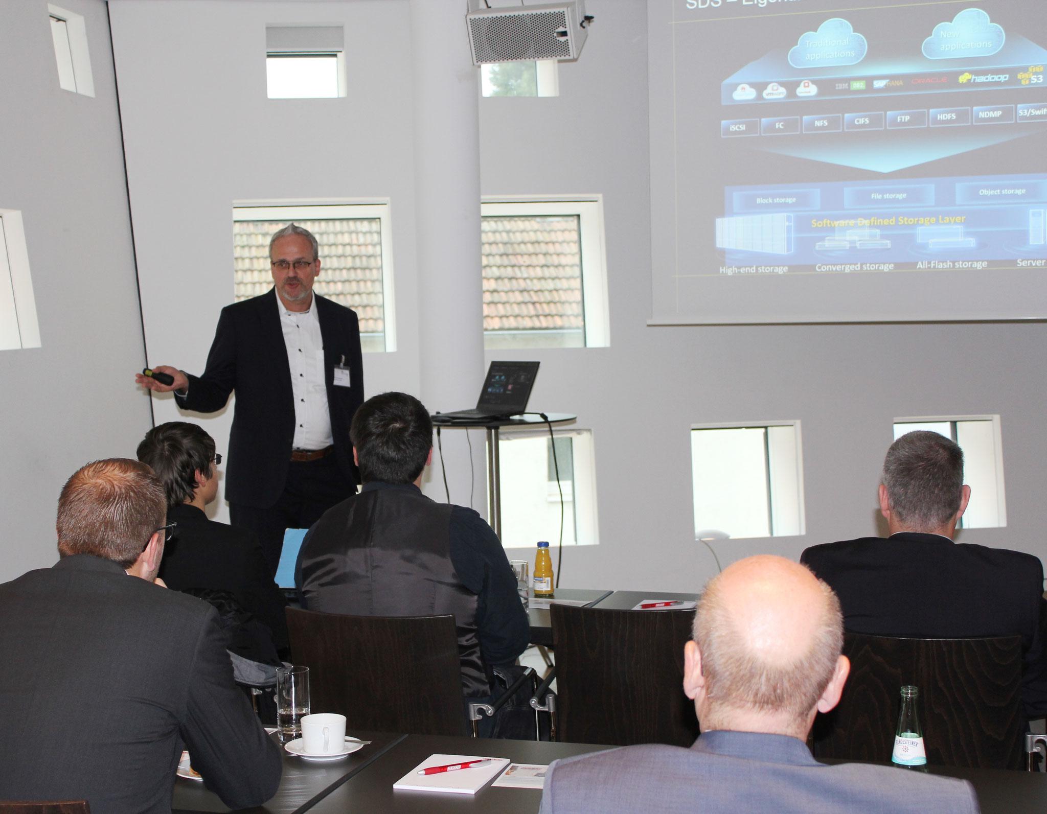 Markus Rosenberger von der Acondistec GmbH übernahm den Teil des Herstellers HUAWEI