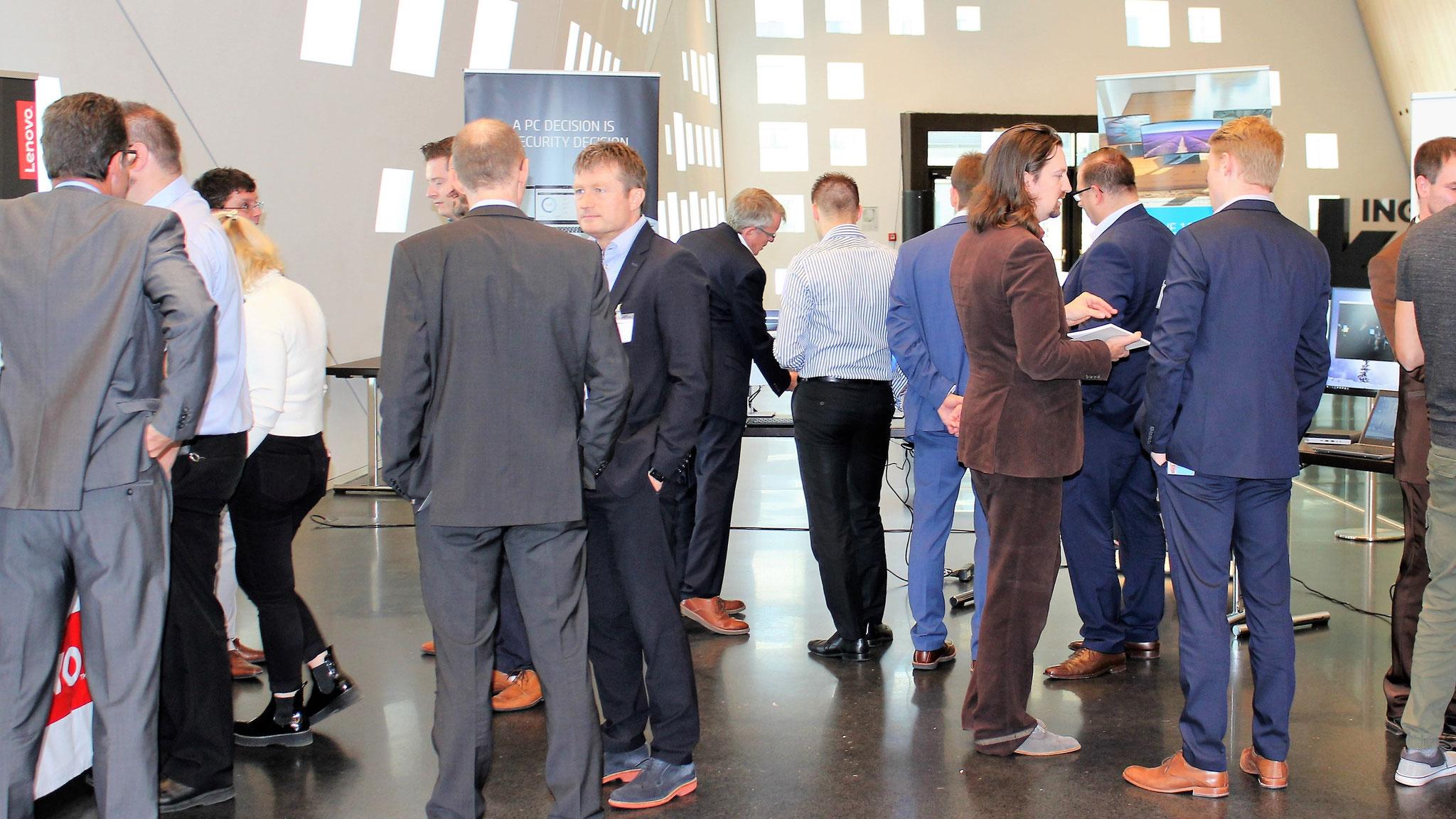 Diskussionen zur Hardware-Ausstattung des Future Work Place