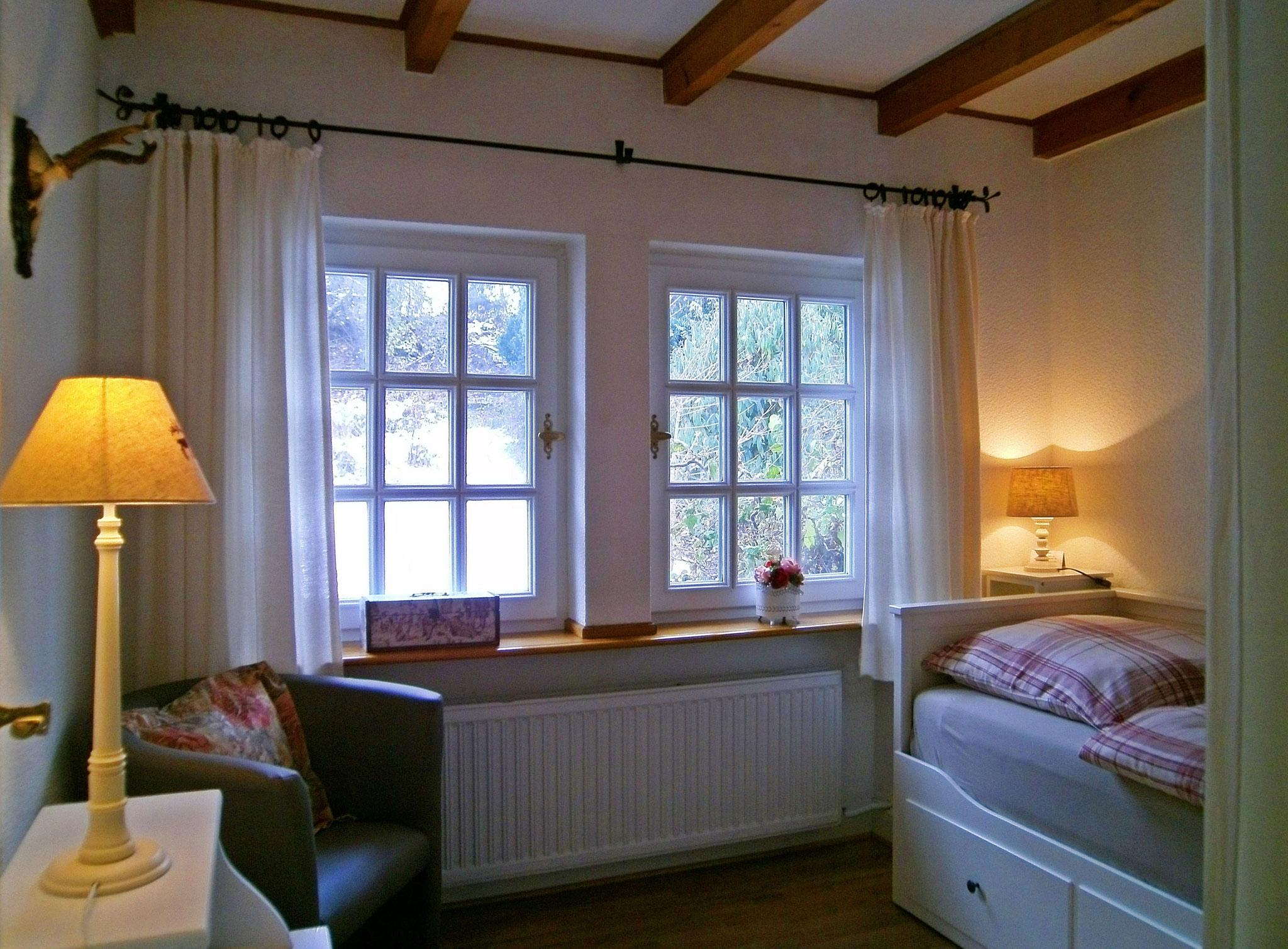 Schlafzimmer (Einzel-o. Doppelbett)