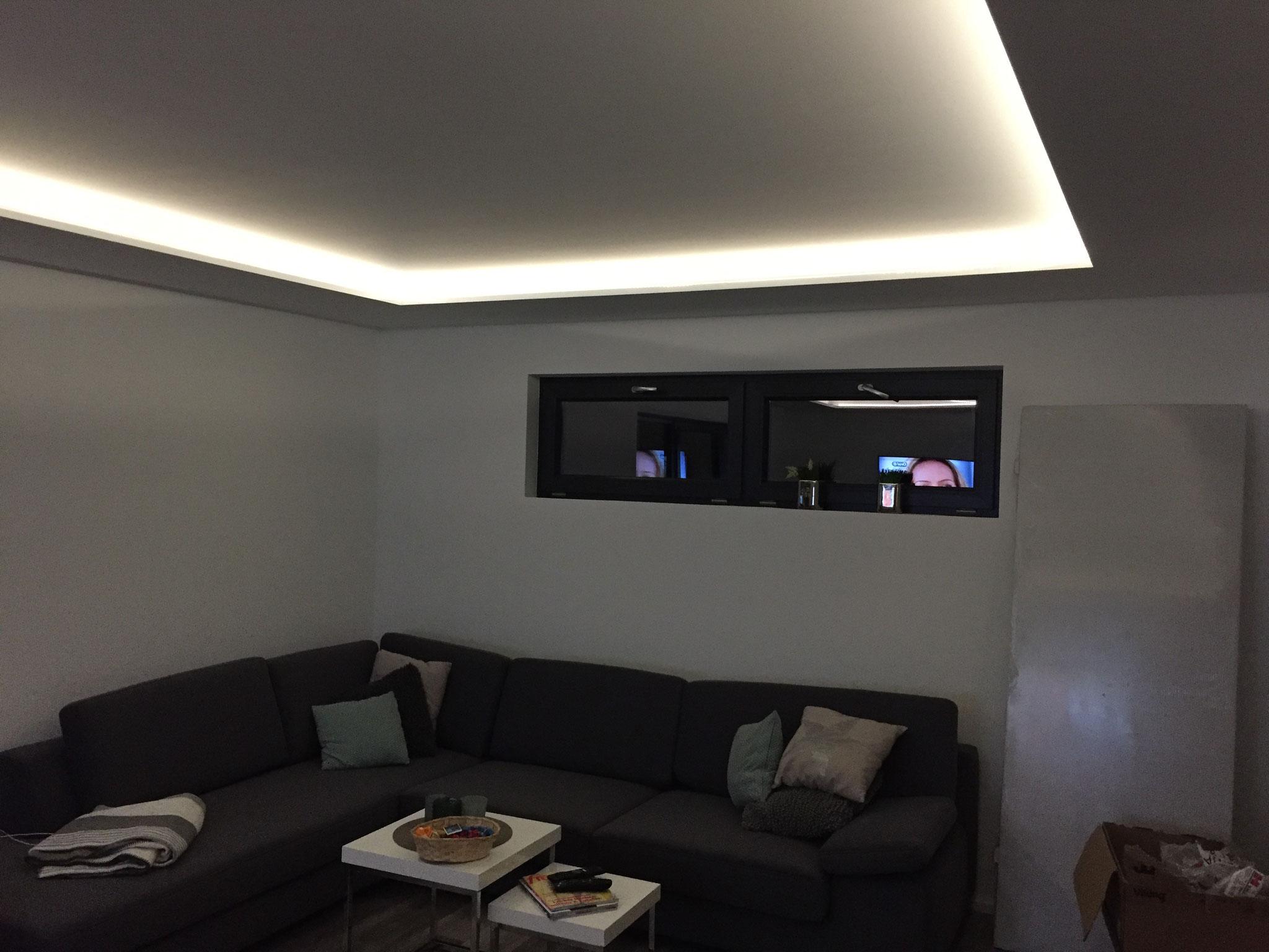 Dimmbare Beleuchtung im Wohnzimmer für entspannte Stunden