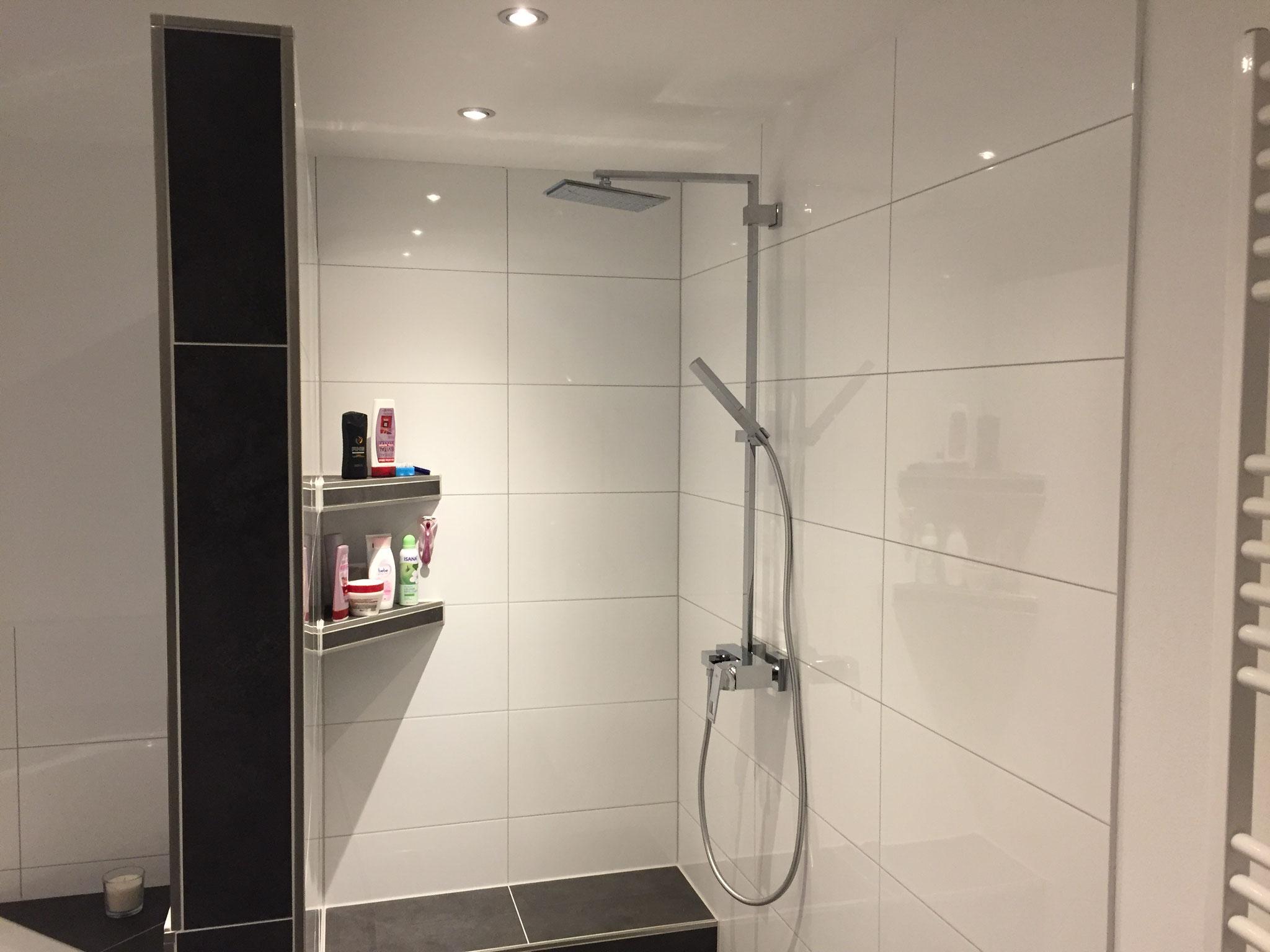 Hauptlicht im Badezimmer