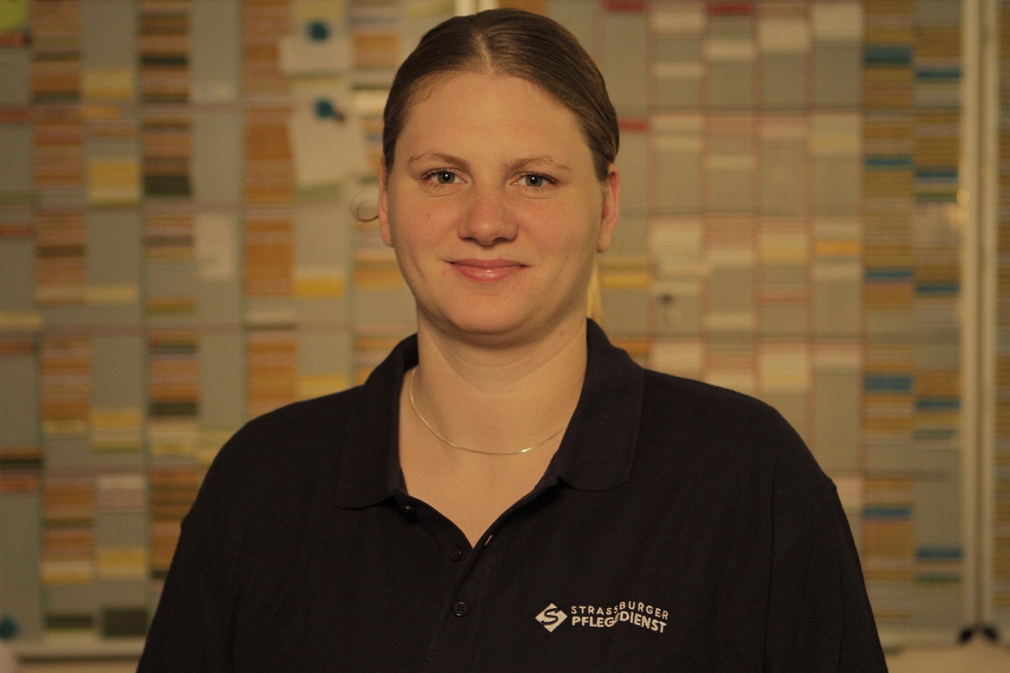 Ann- Kathrin Weyer, exam. Altenpflegerin