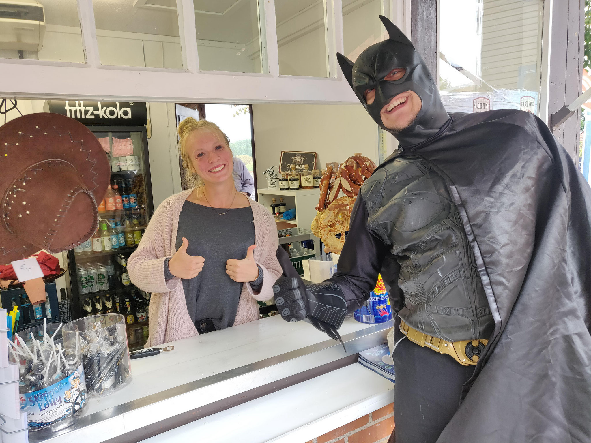 Batman besucht den Kult Kiosk am Kalkberg
