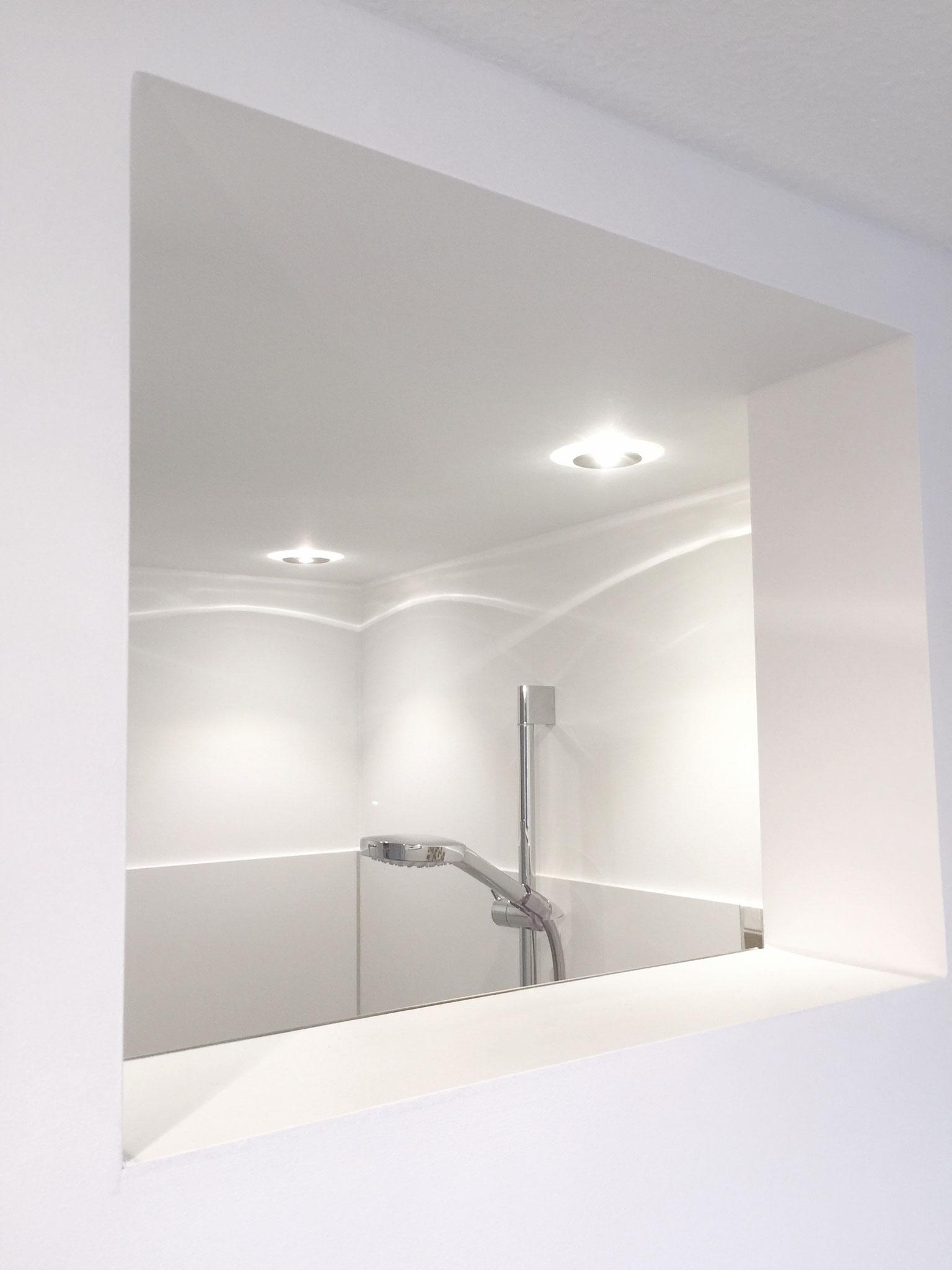 Lichtausschnitt sorgt für Tageslicht im Duschbereich