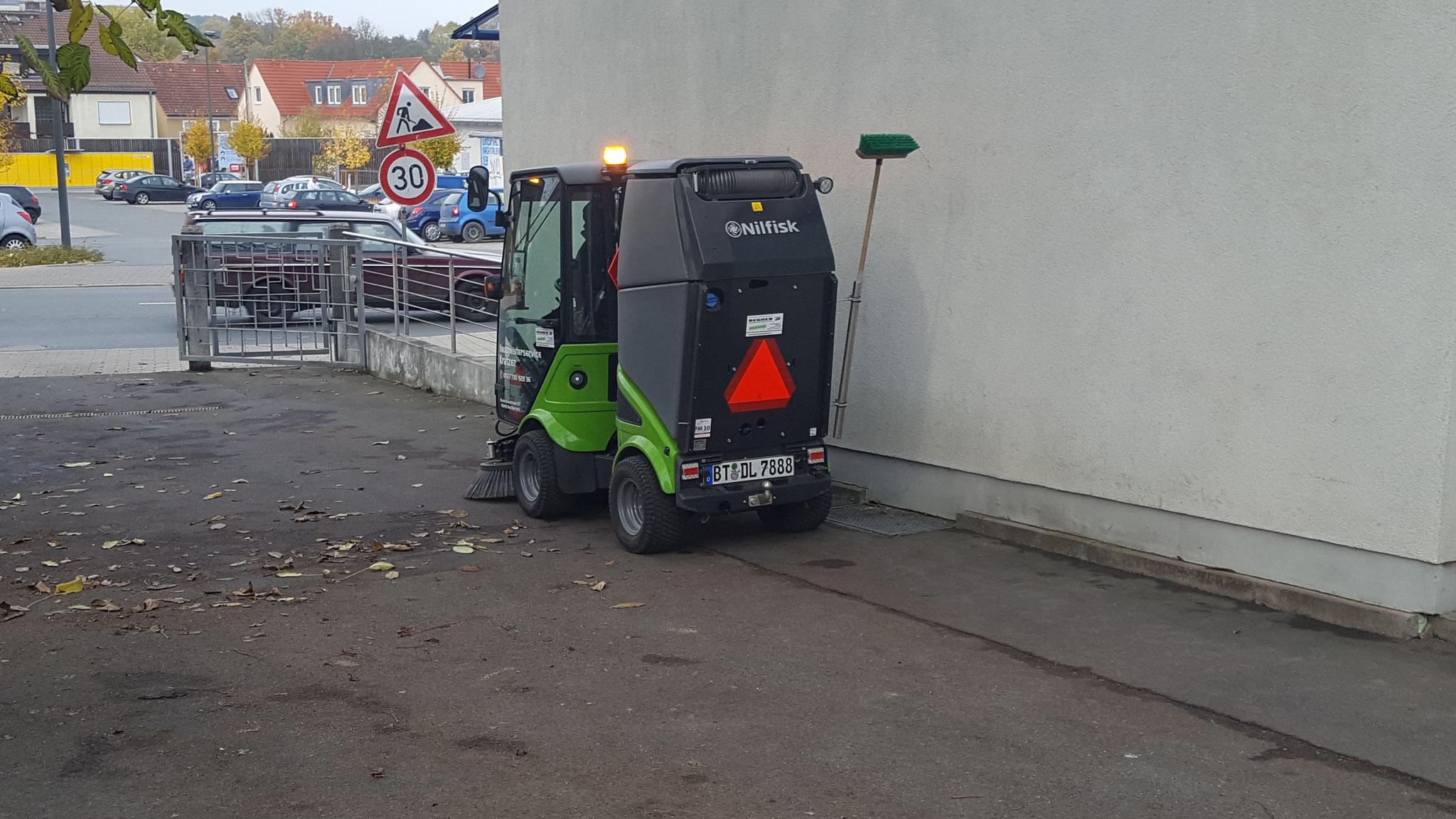 City Ranger beim Kehren (im wochentlicher Einsatz)