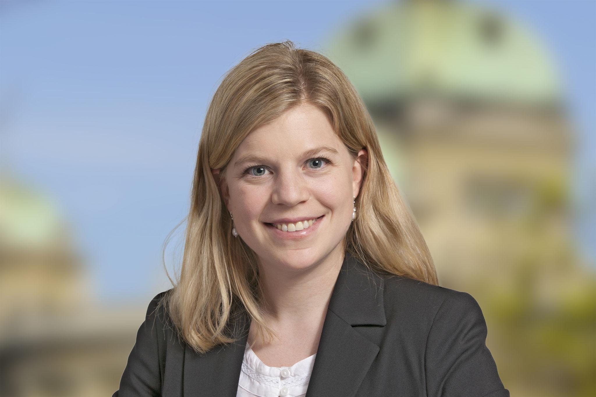 Nadine Masshardt, Conseillère nationale PS: les mots ne suffisent plus, il faut des actes courageux : qui participe à la fondation d'une deuxième Mädchenhaus en Suisse jouit  de tout mon soutien