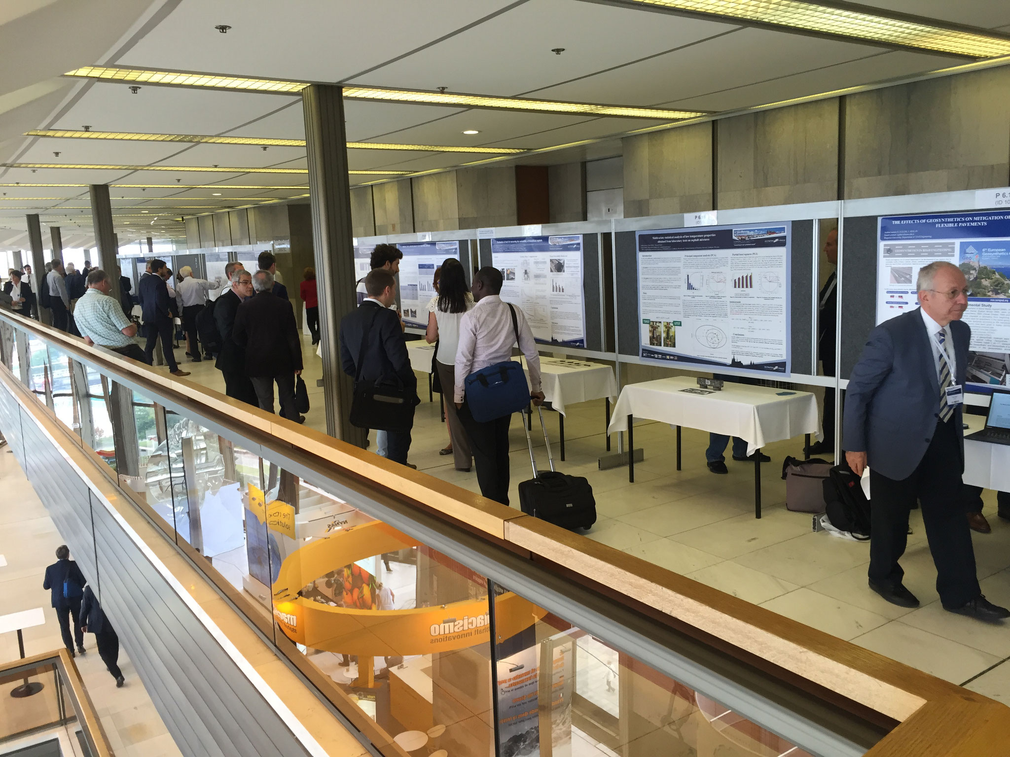 Impression of the Poster Session at the E&E Congress 2016 in Prague