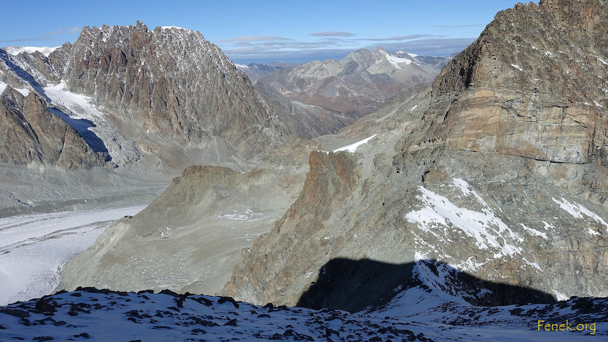 Blick über den Nordgrat in den Sattel - Refuge - Mont Collon