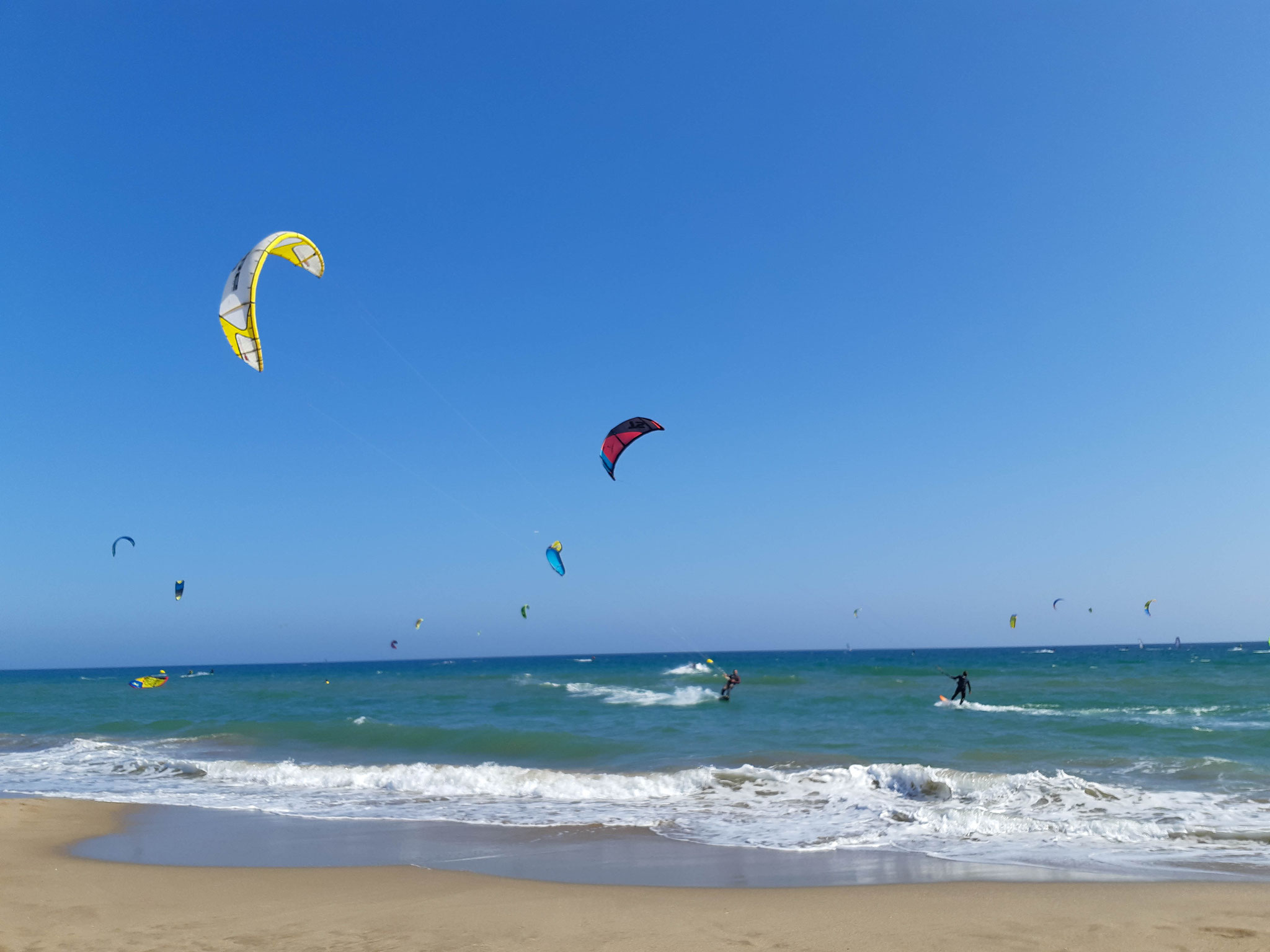 barcelona castelldefels strand surfen wassersport