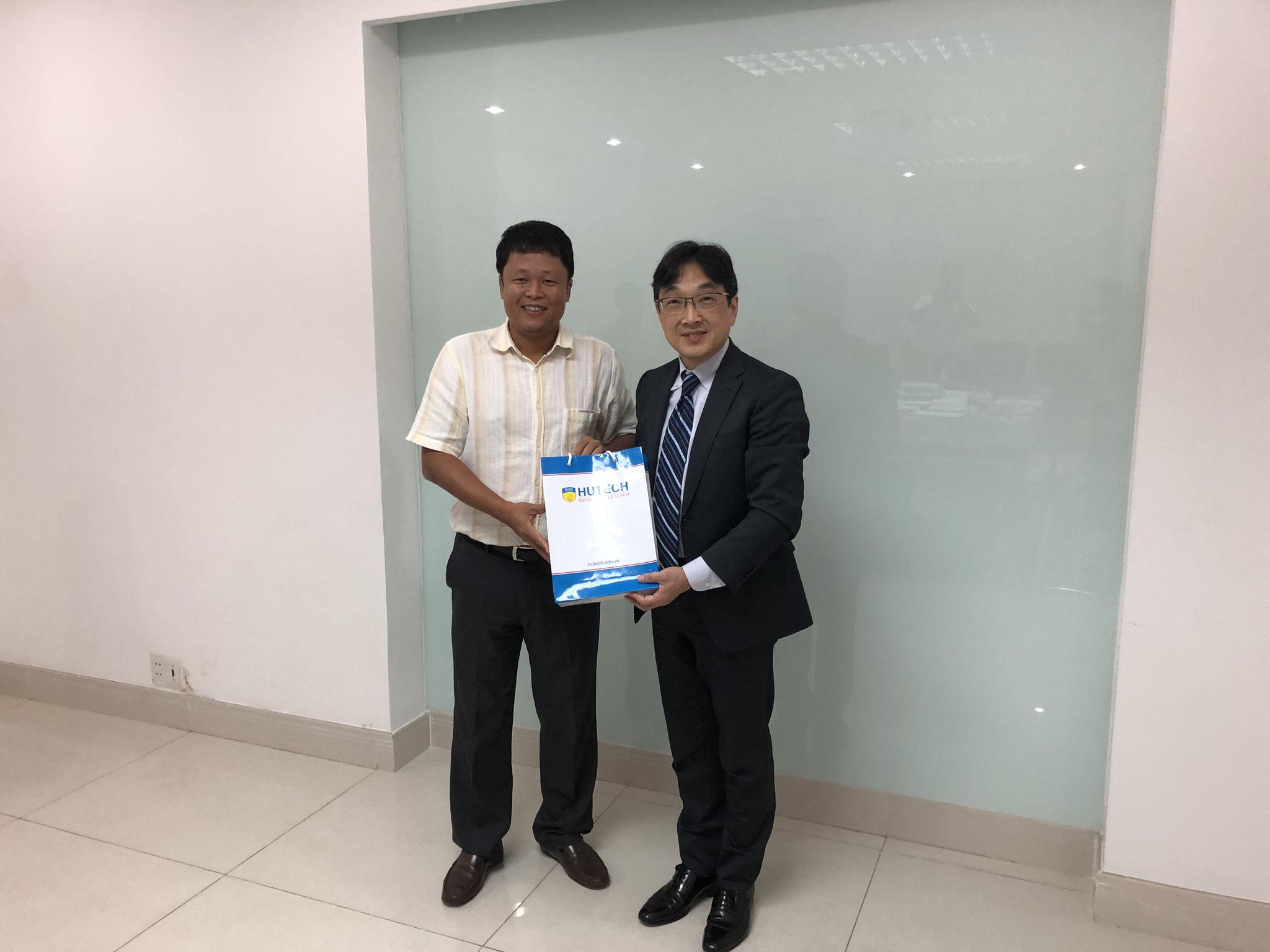 HUTECH工業大学の理事長 Dr. KIEU XUAN HUNG
