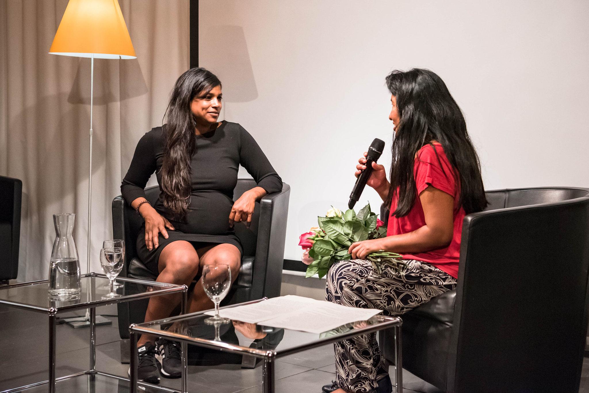 Carmela Harshani Odoni und Aymara