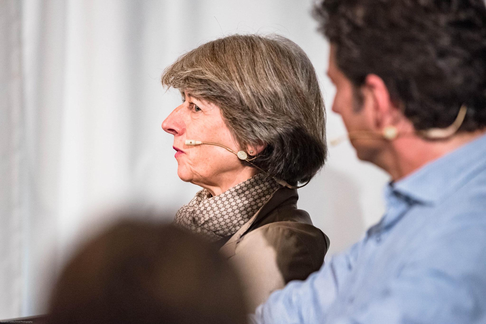 Annemarie Huber-Hotz (présidente de la Croix-Rouge suisse et mère adoptive)