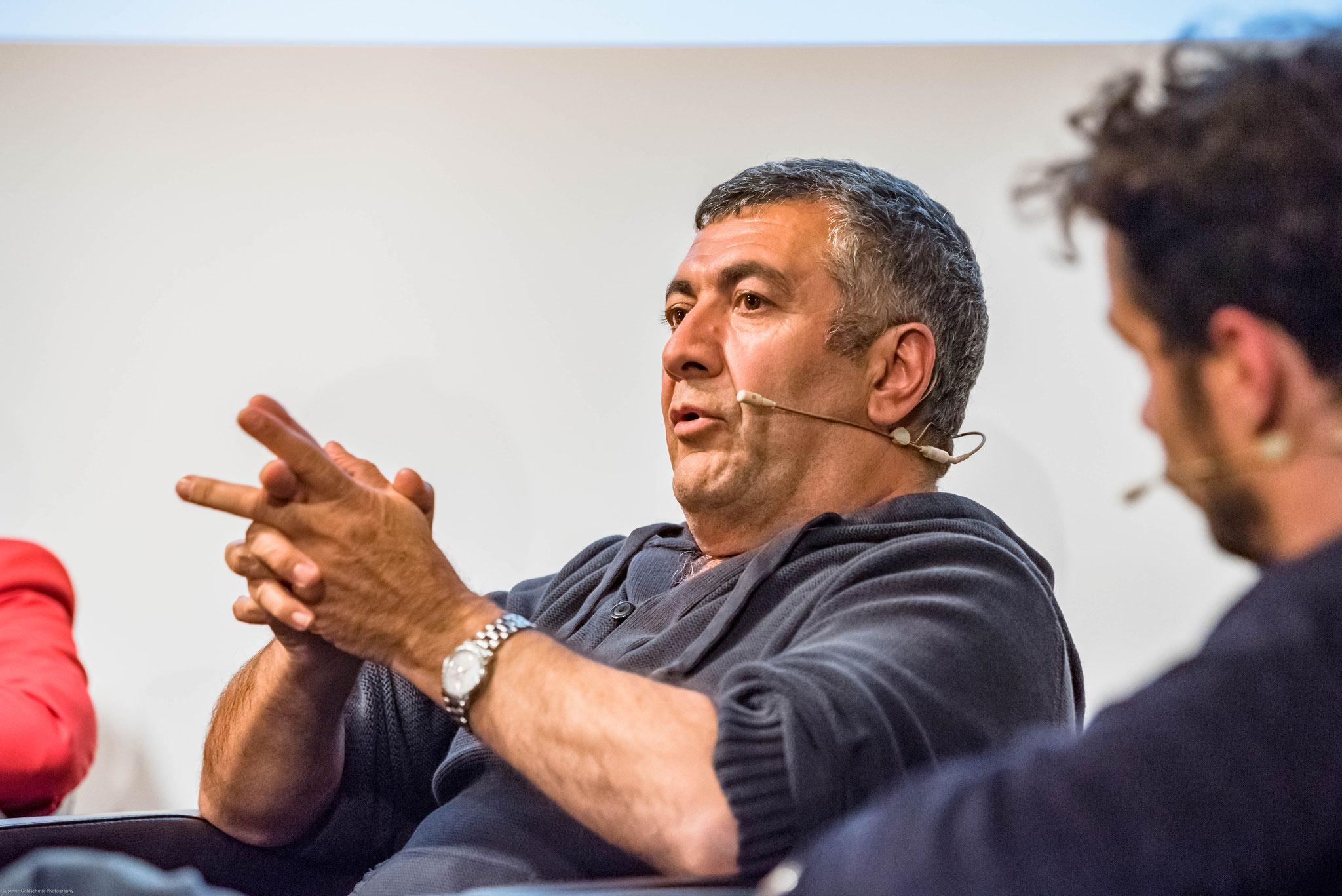 Mano Khalil (Regisseur)