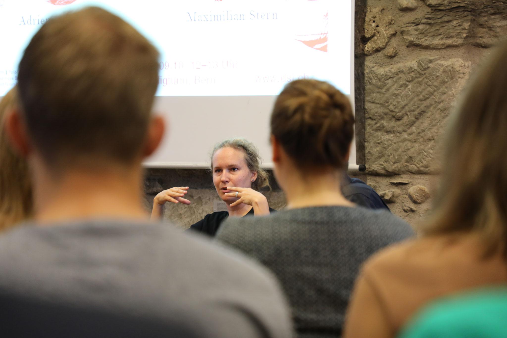 """Adrienne Fichter (Herausgeberin """"Smartphone-Demokratie"""")"""