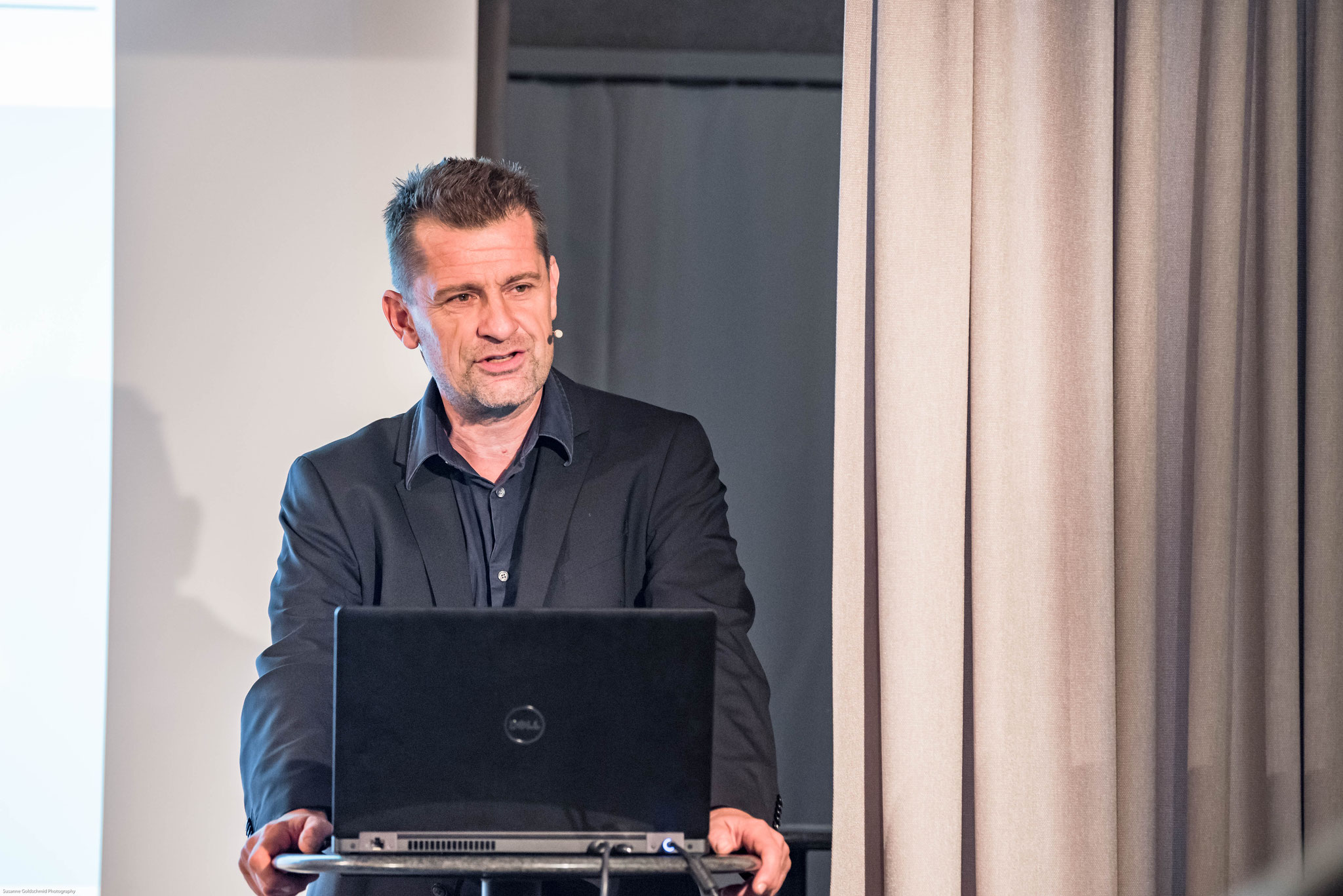 Prof. Dr. Jörg Künzli