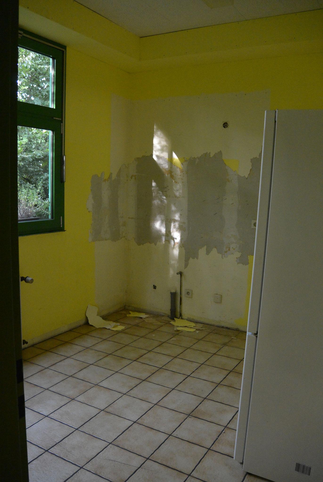 Im Sozialraum verschwand die alte Küche samt Fliesenspiegel