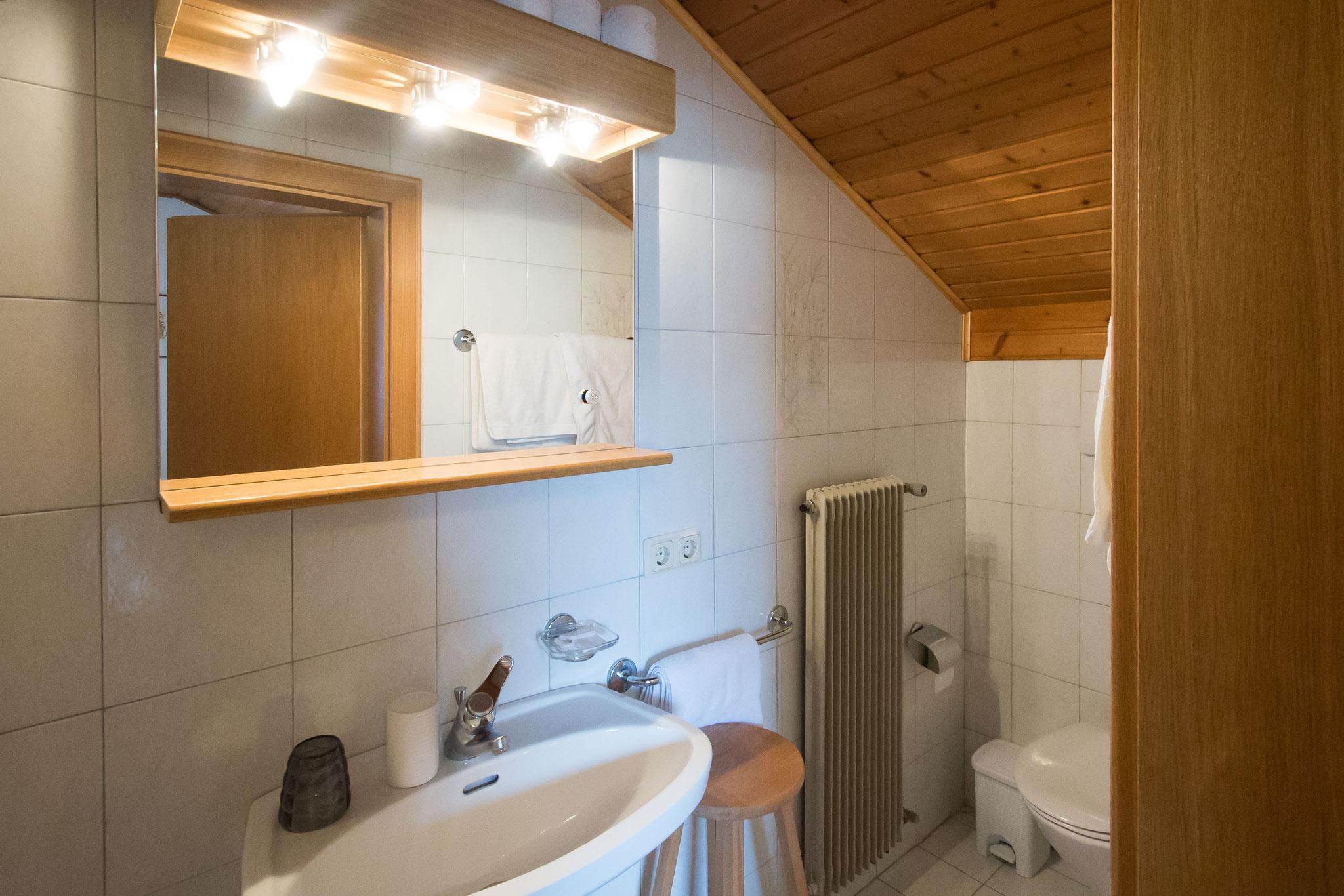 Das Bad von Zimmer Nummer 5