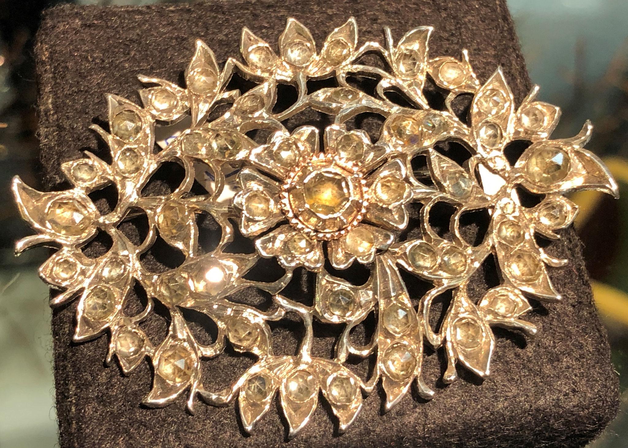 Barockbrosche, Silber mit Diamanten