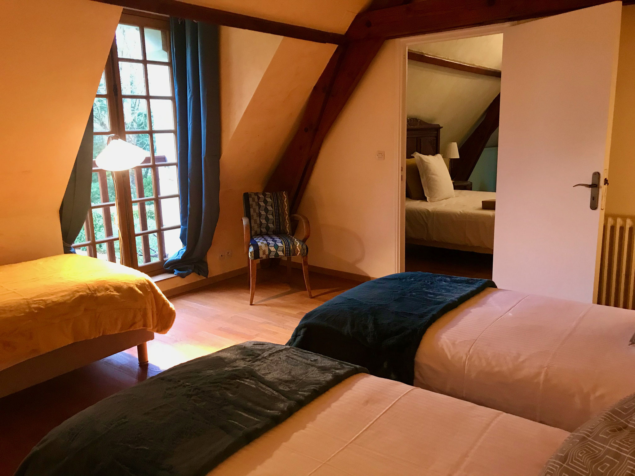 Family ensuite, bed & breakfast, loire valley, saumur, family apartment for 5