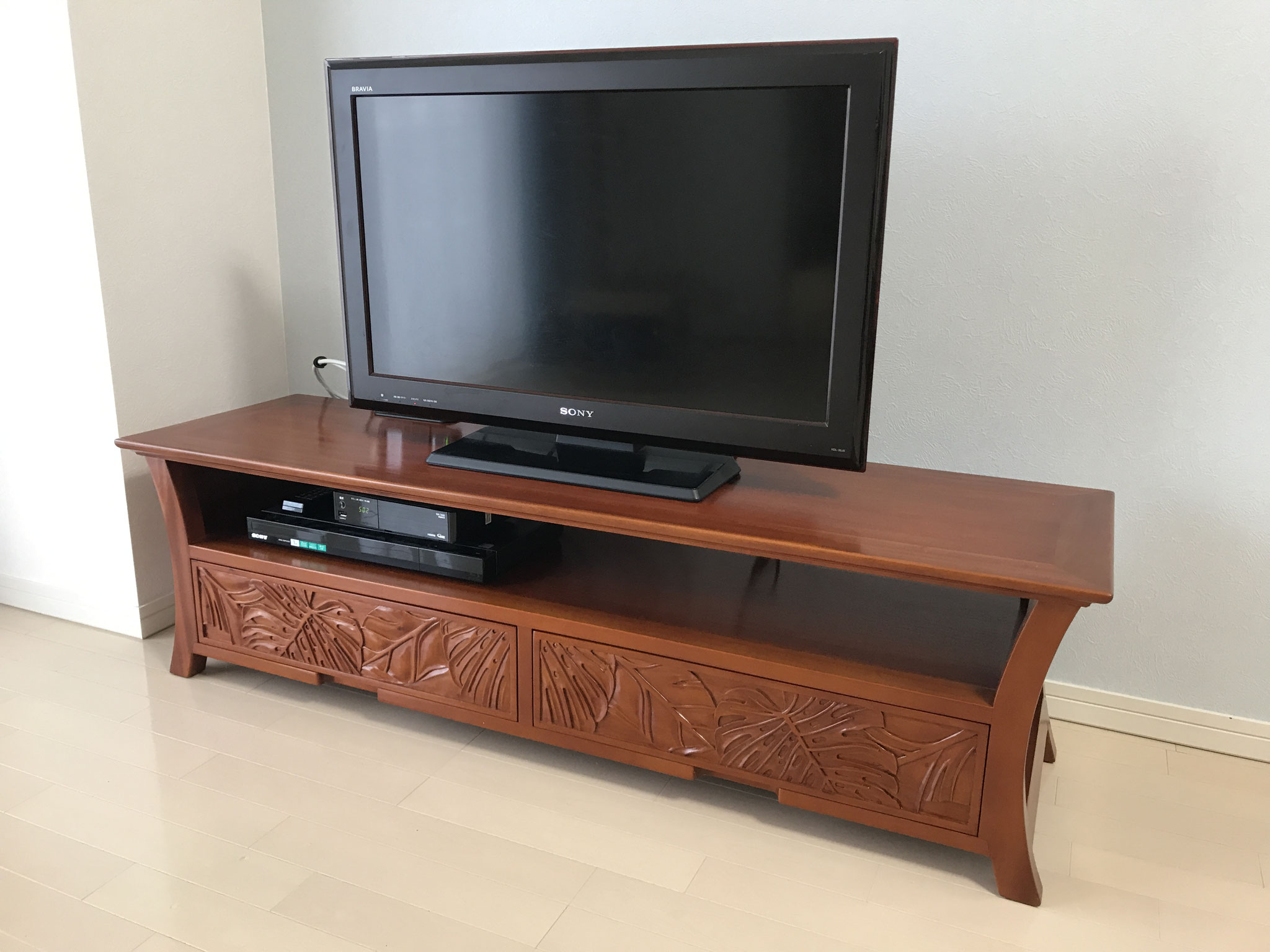 Mahogany Carving TV Cabinet