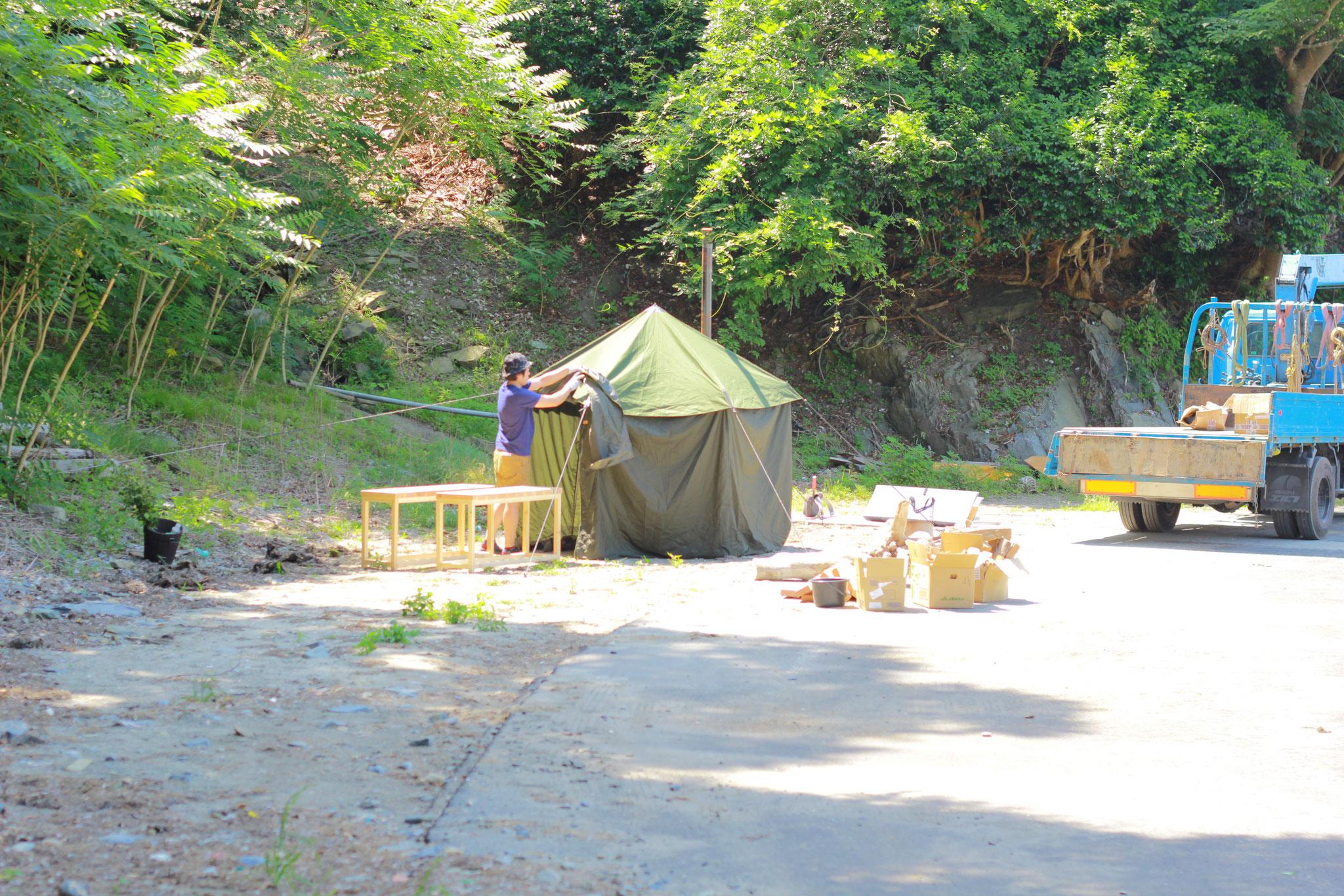 フィンランドから直輸入したサウナ用のテントだそうです。