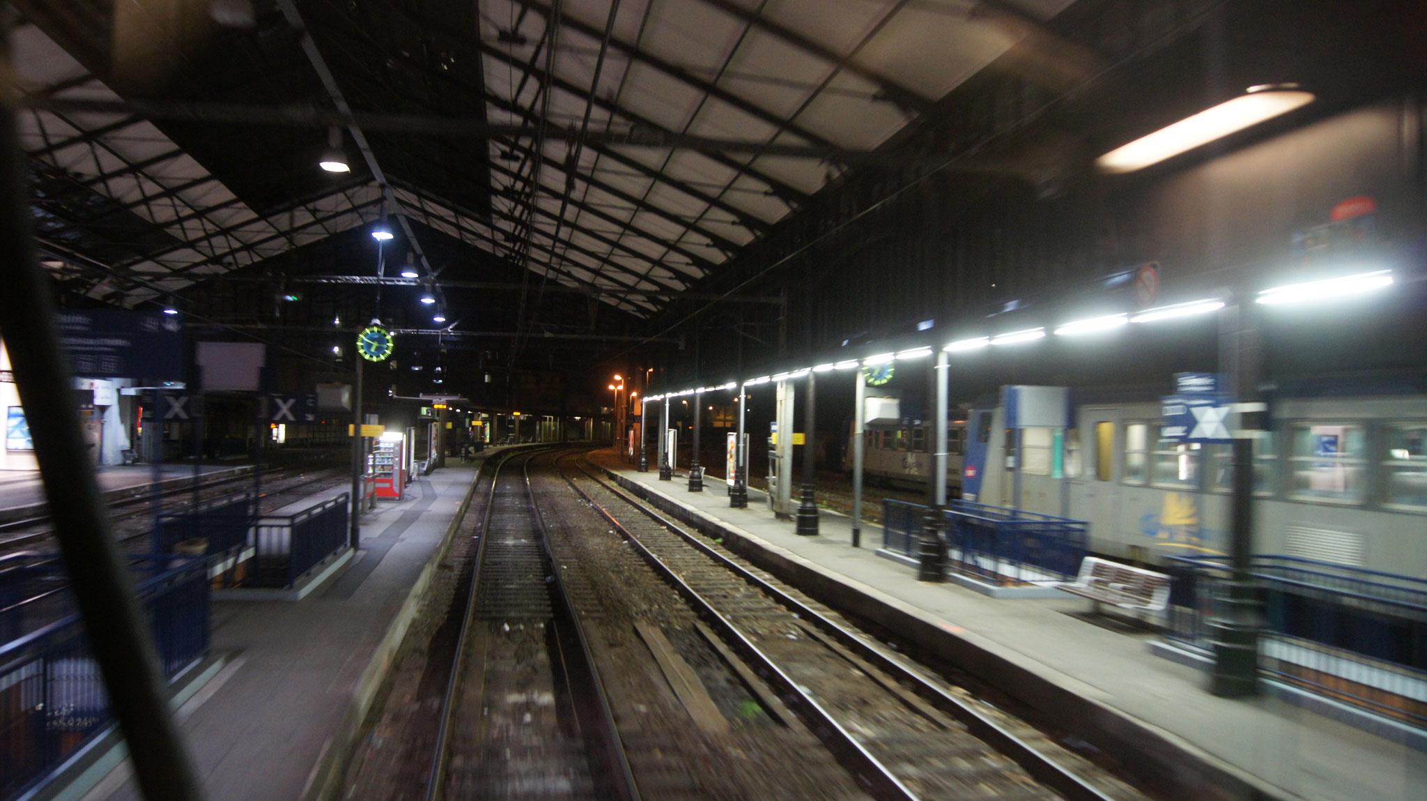 arrêt en gare de BAYONNE ( SONY ALPHA 550)