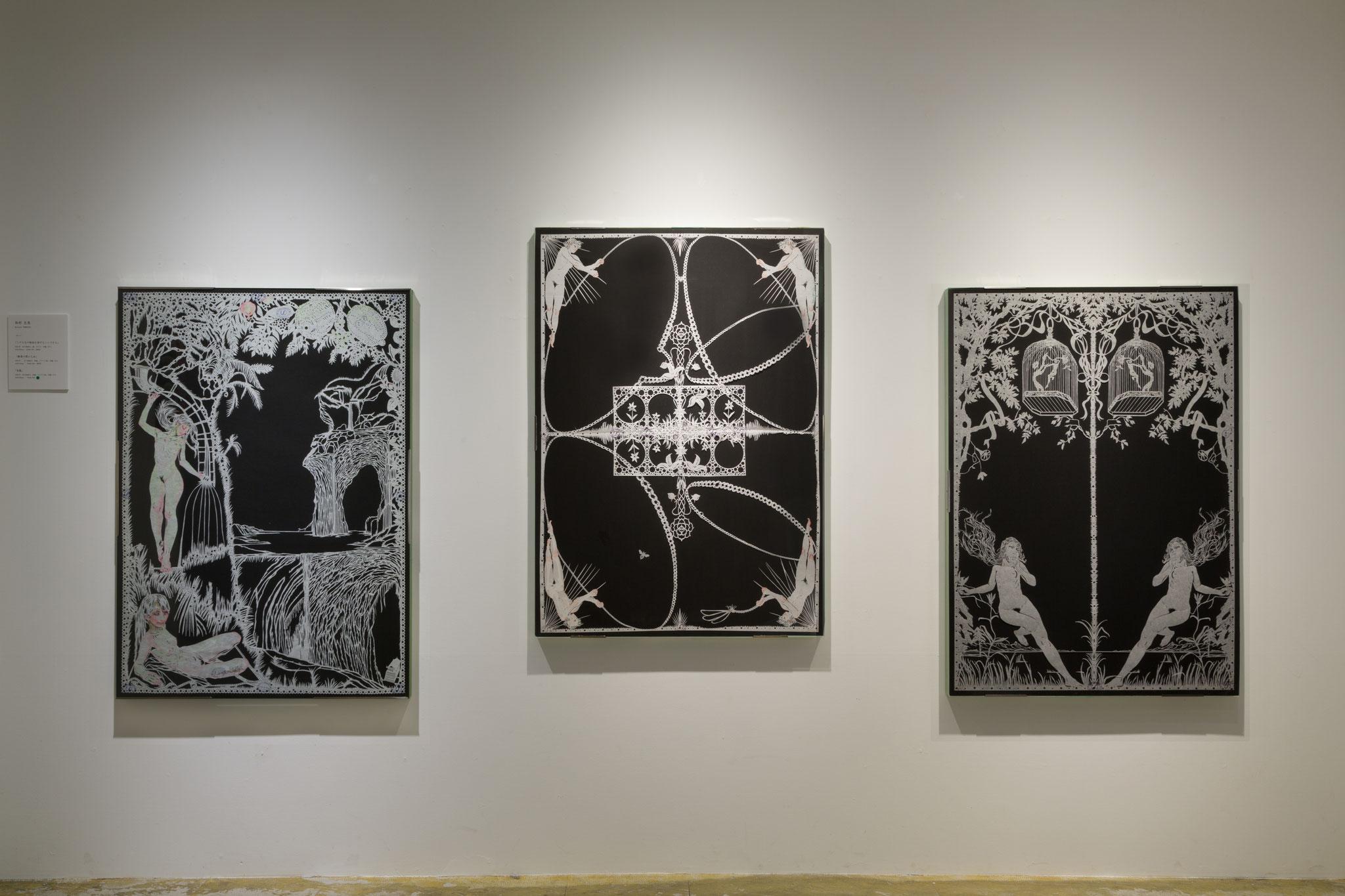 左『ミダス王の物語を演ずるニンフたち』、中『雛菊の環と乙女』、右『鳥籠』