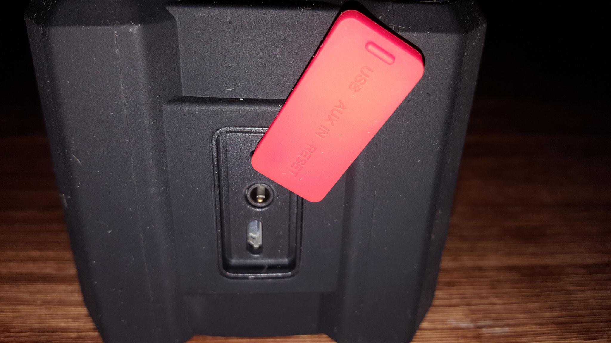 Anschluss für Micro USB und Klinkenstecker