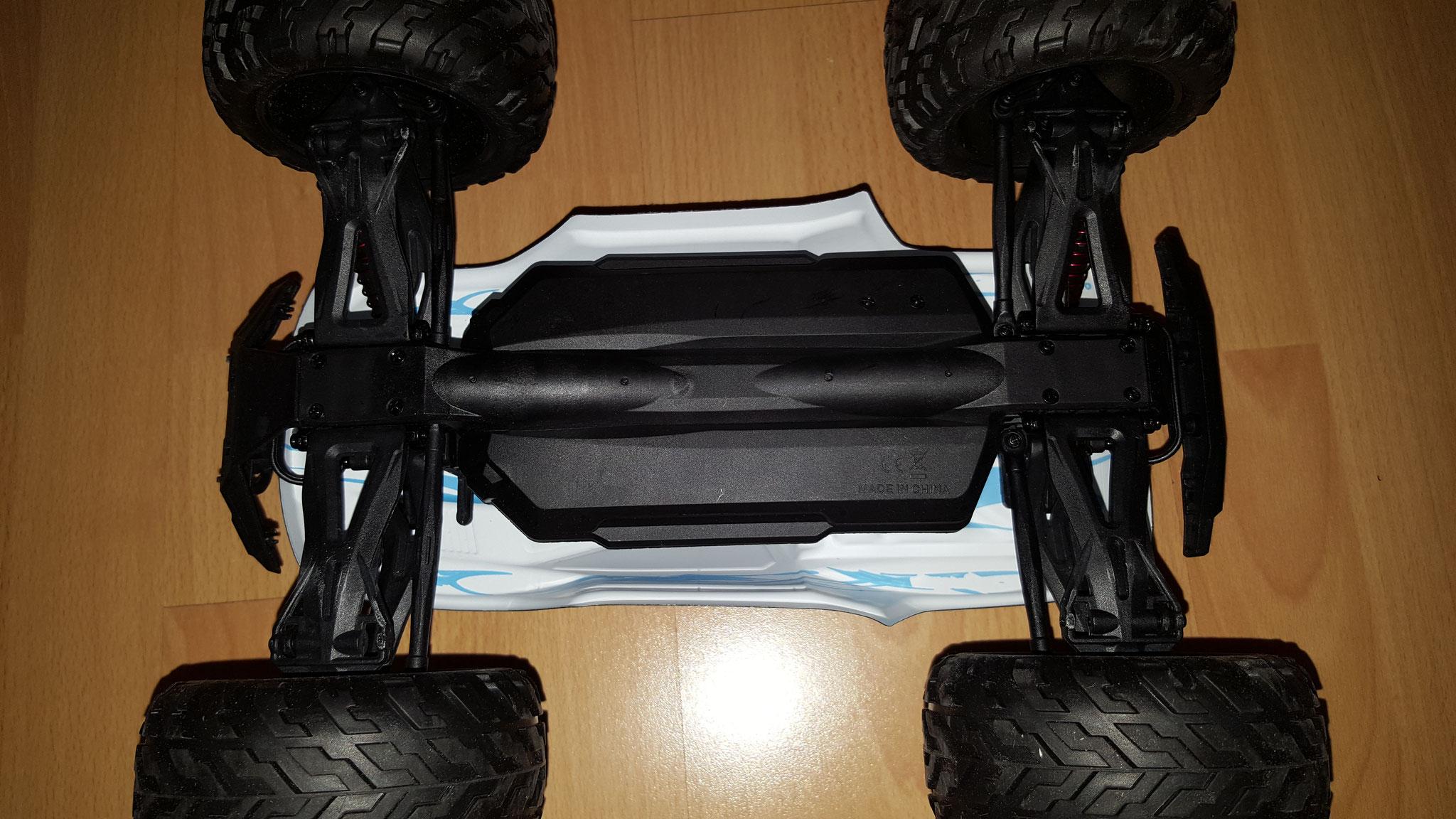 Unterseite mit abgedecktem Batteriefach
