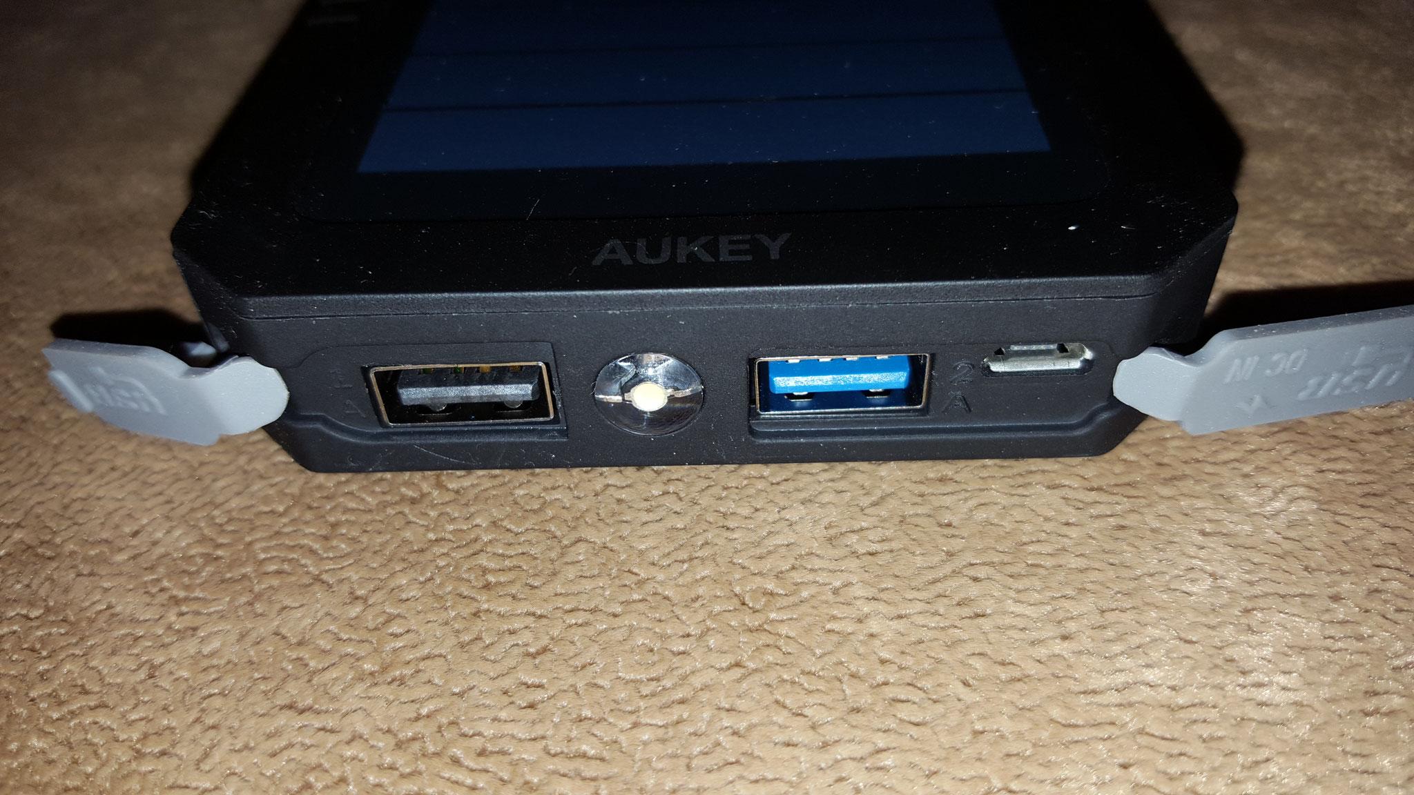 USB Anschlüsse offen