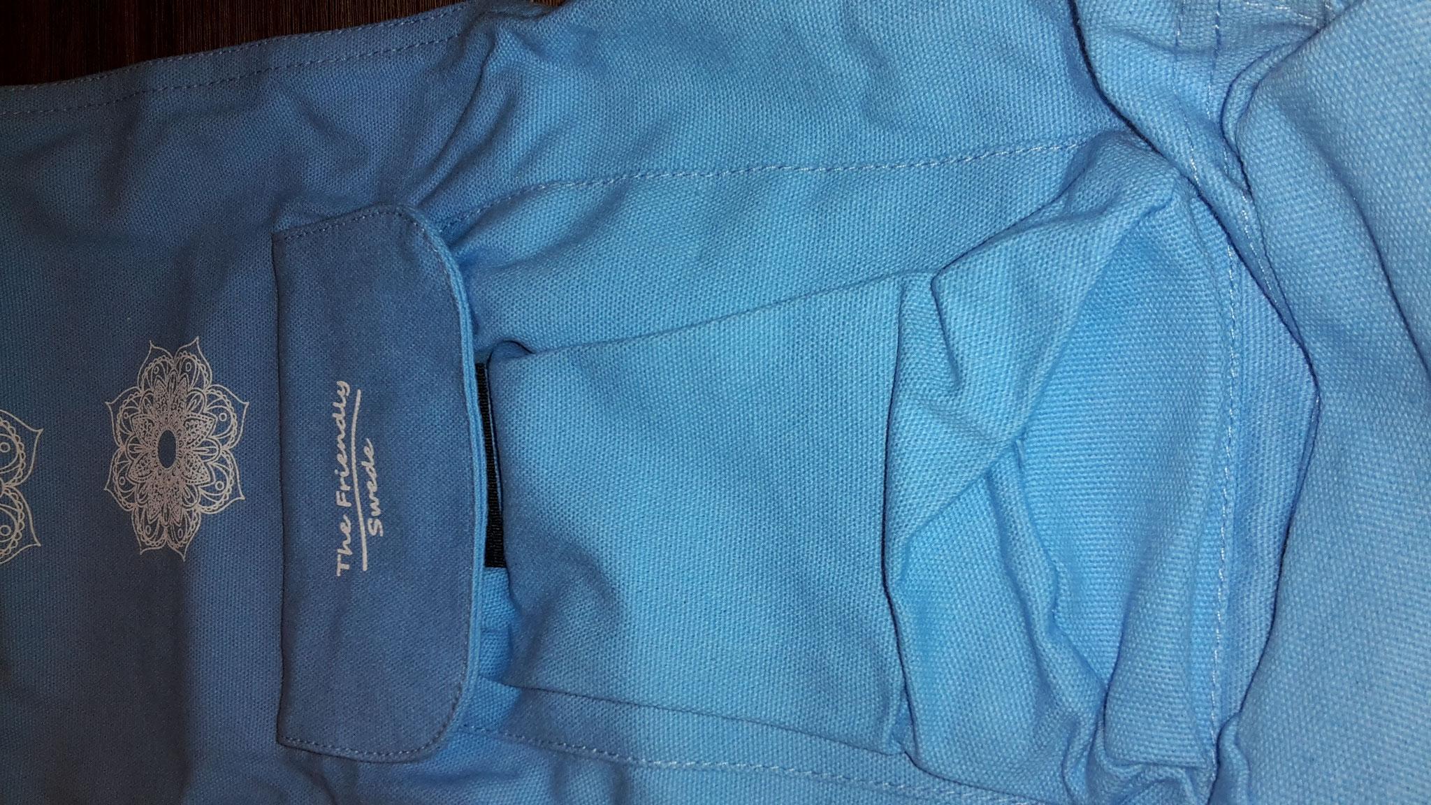 Tasche auf der Vorderseite für Handtuch