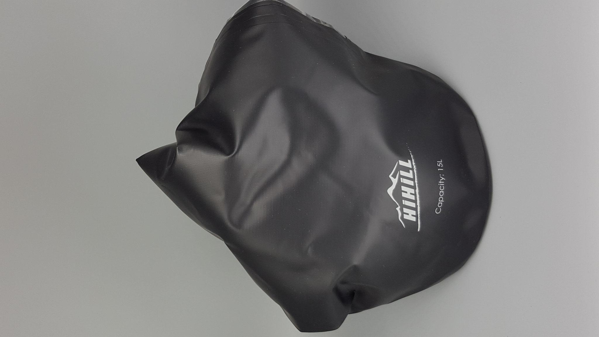 Drybag halb gefüllt Vorderseite