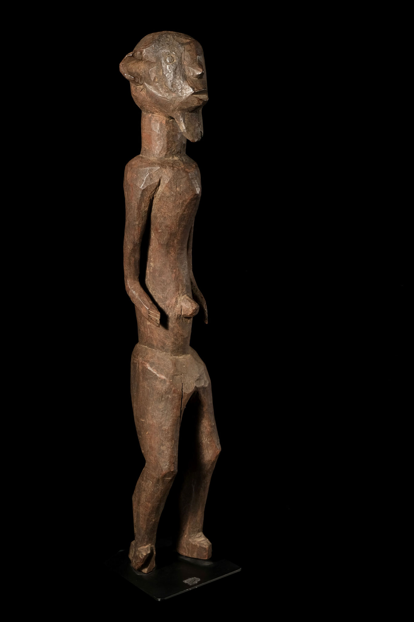 Longuda figure from Nigeria with archaic expression