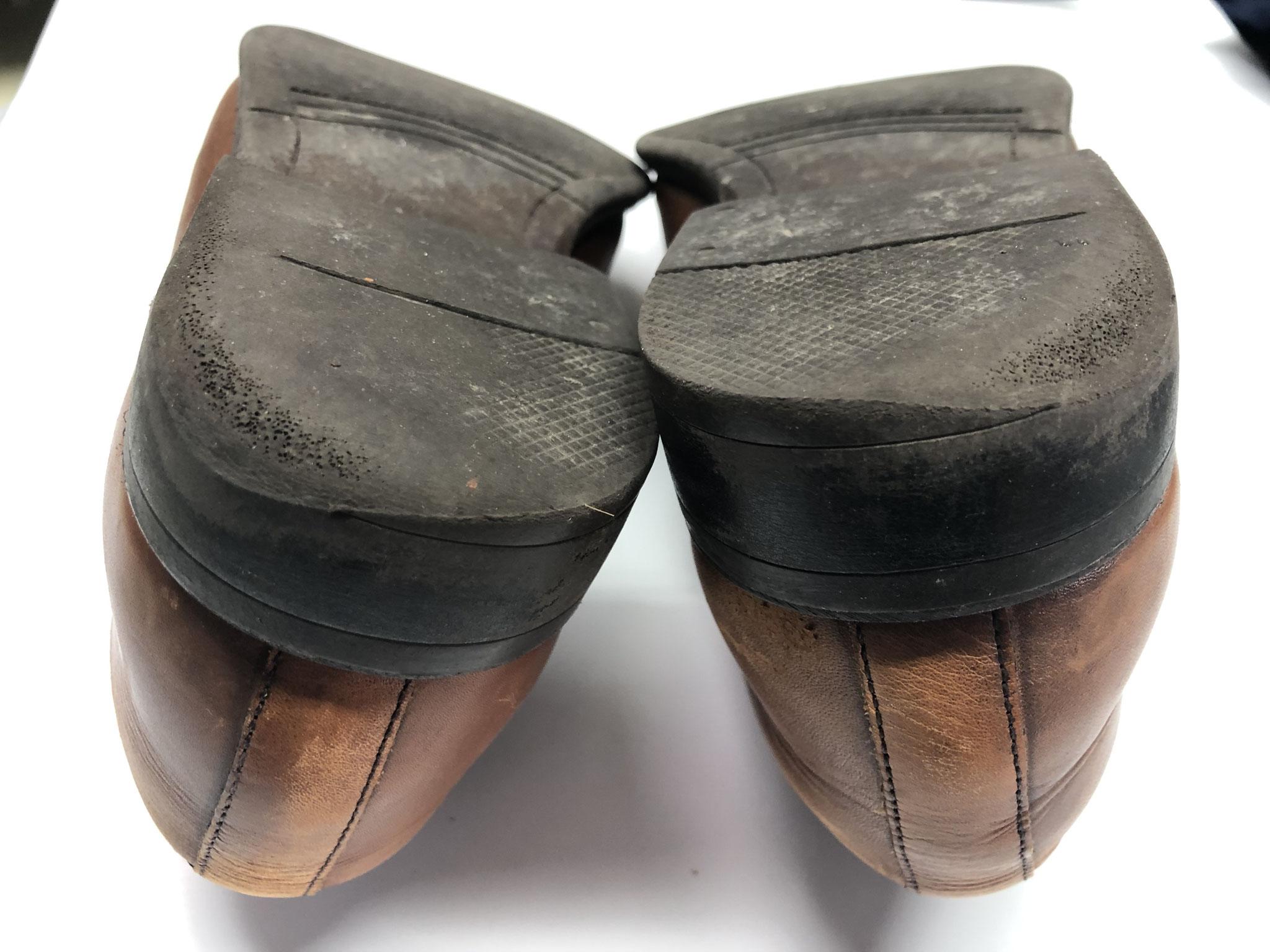 紳士靴のカカトのすりへり