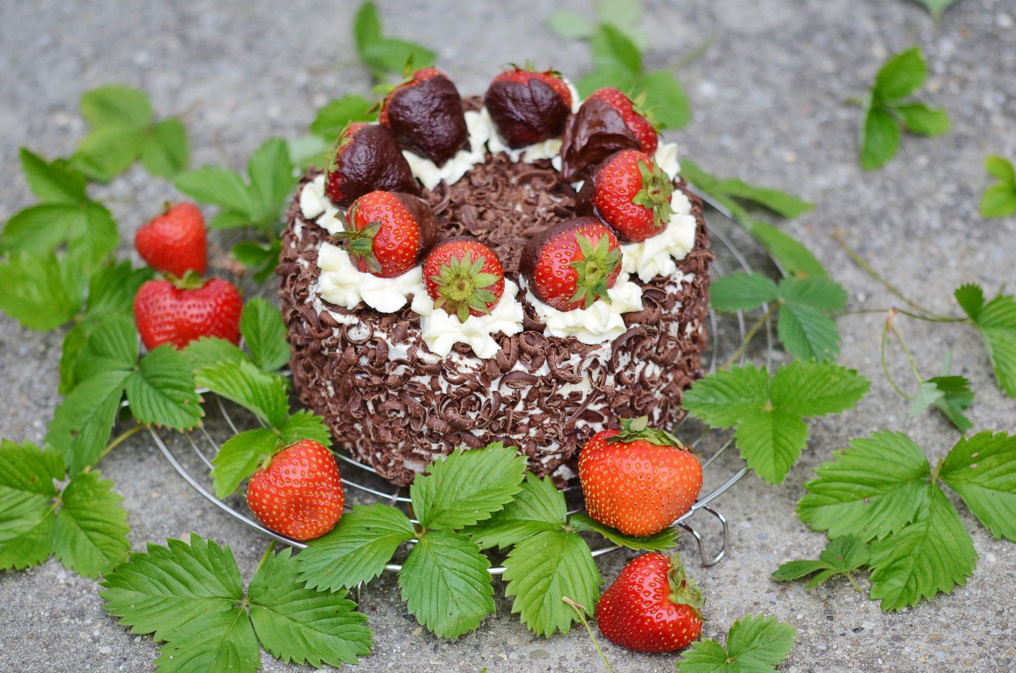 Schwarzwäldertorte mit Erdbeeren