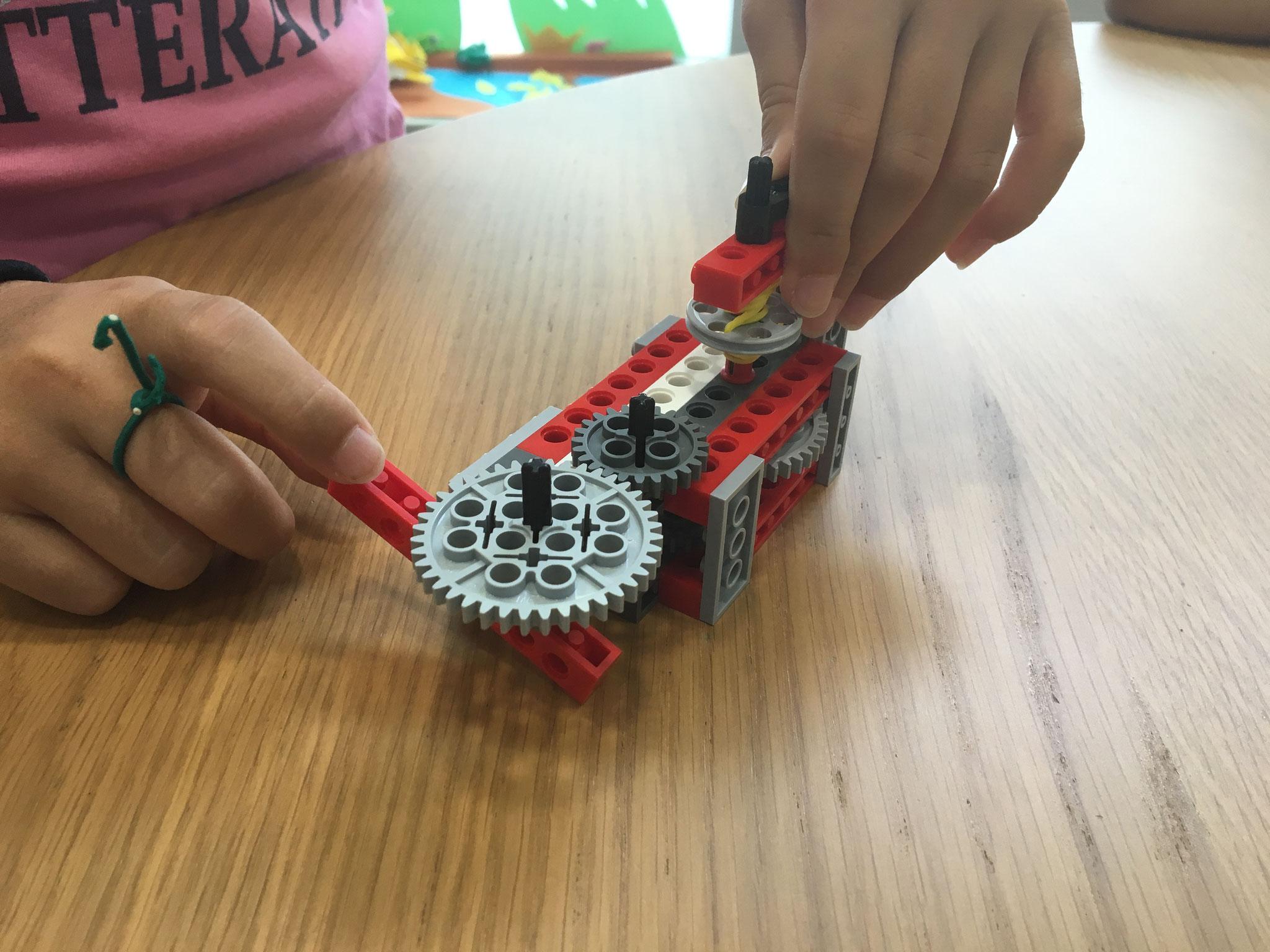 ICTスクールNEL レッスン風景 LEGOの活用