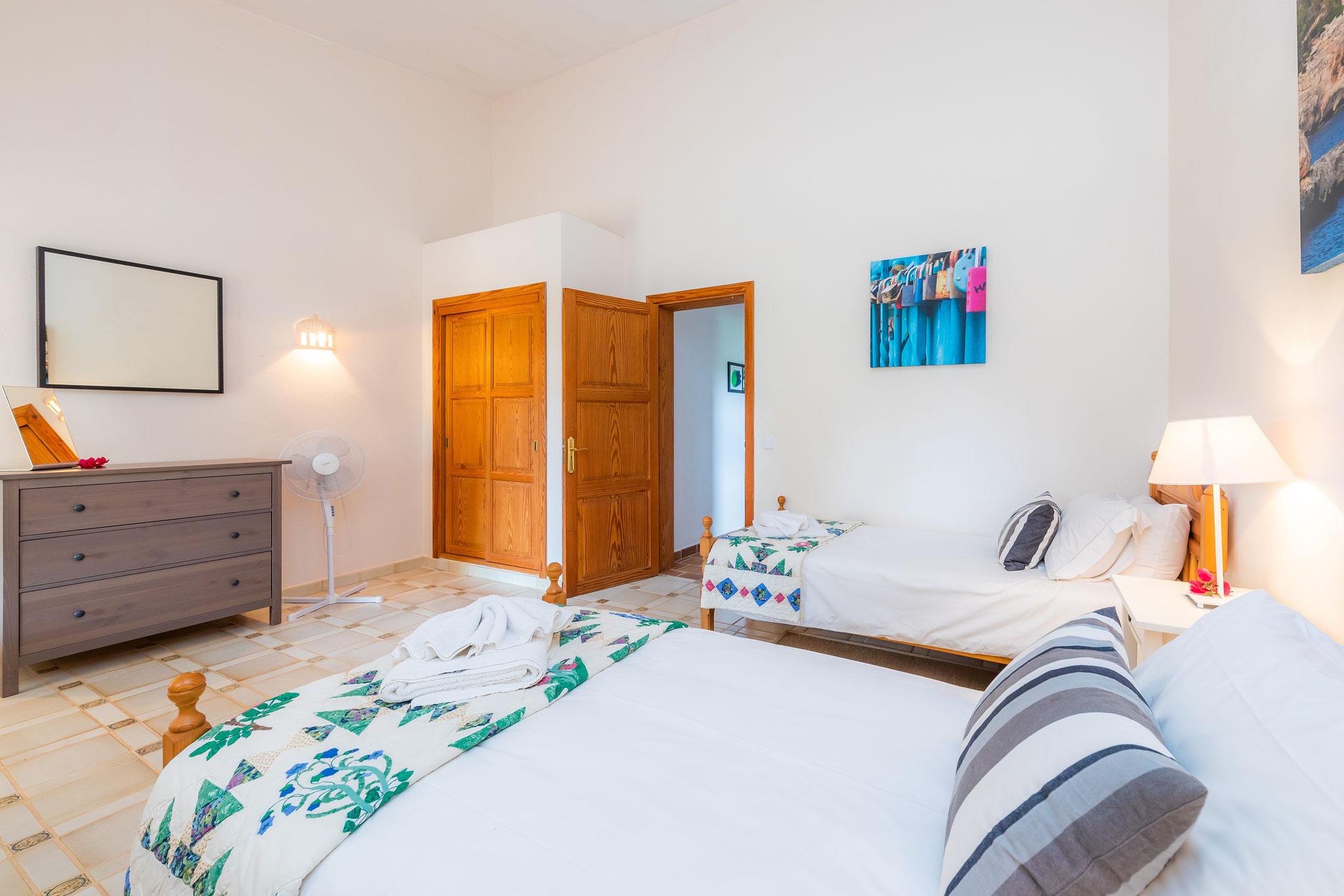 primera planta, dormitorio 2 con dos camas individuales
