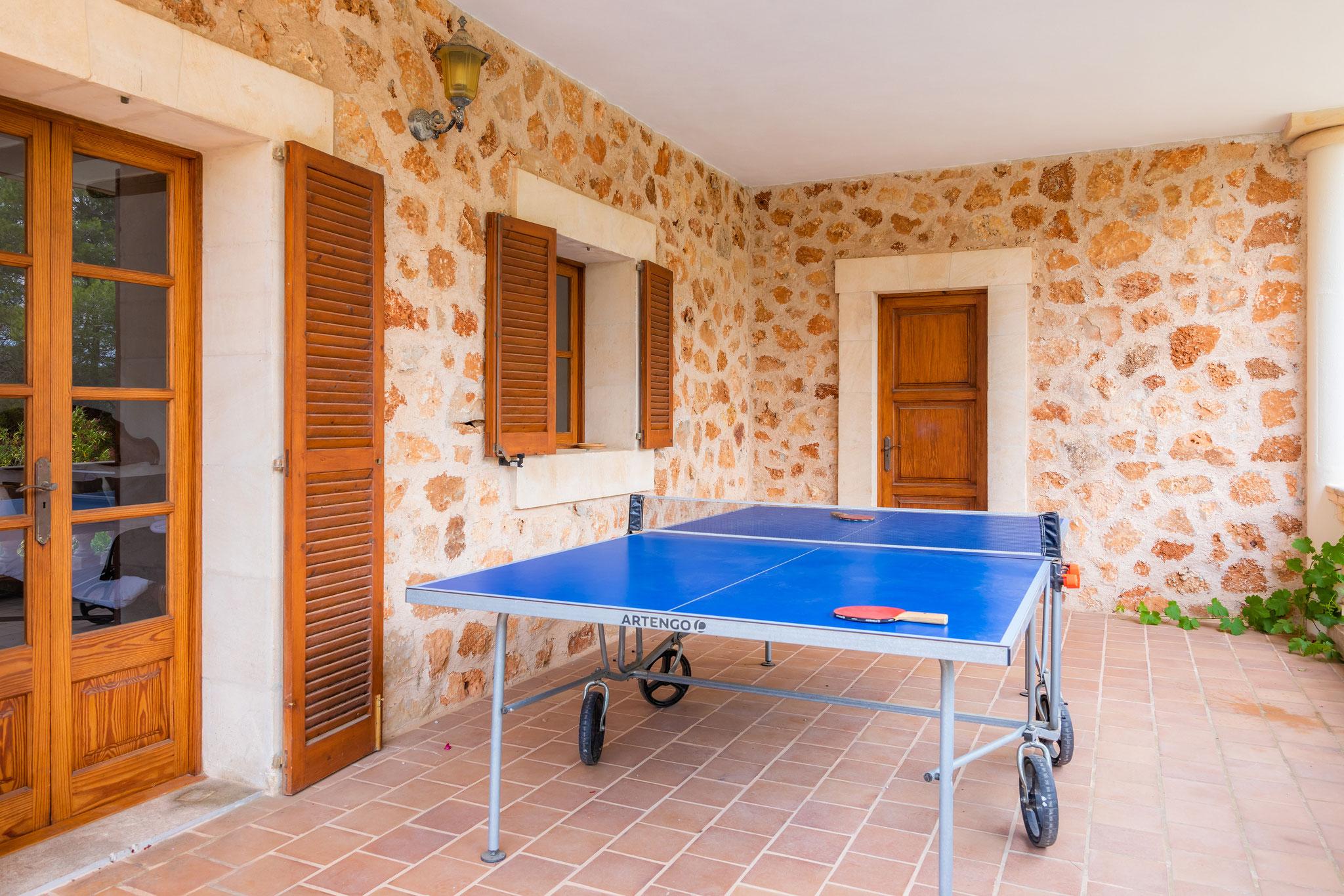 Tischtennis auf der unteren Terrasse