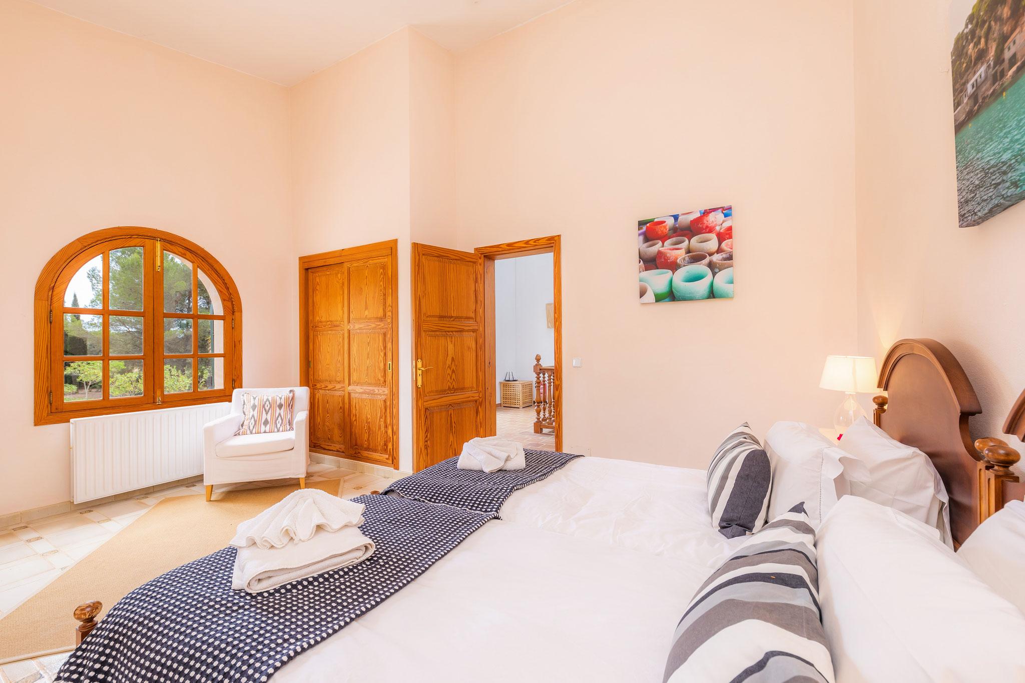 Schlafzimmer 2 mit Einzelbetten im ersten Stock